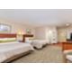 Habitación con cama tamaño queen