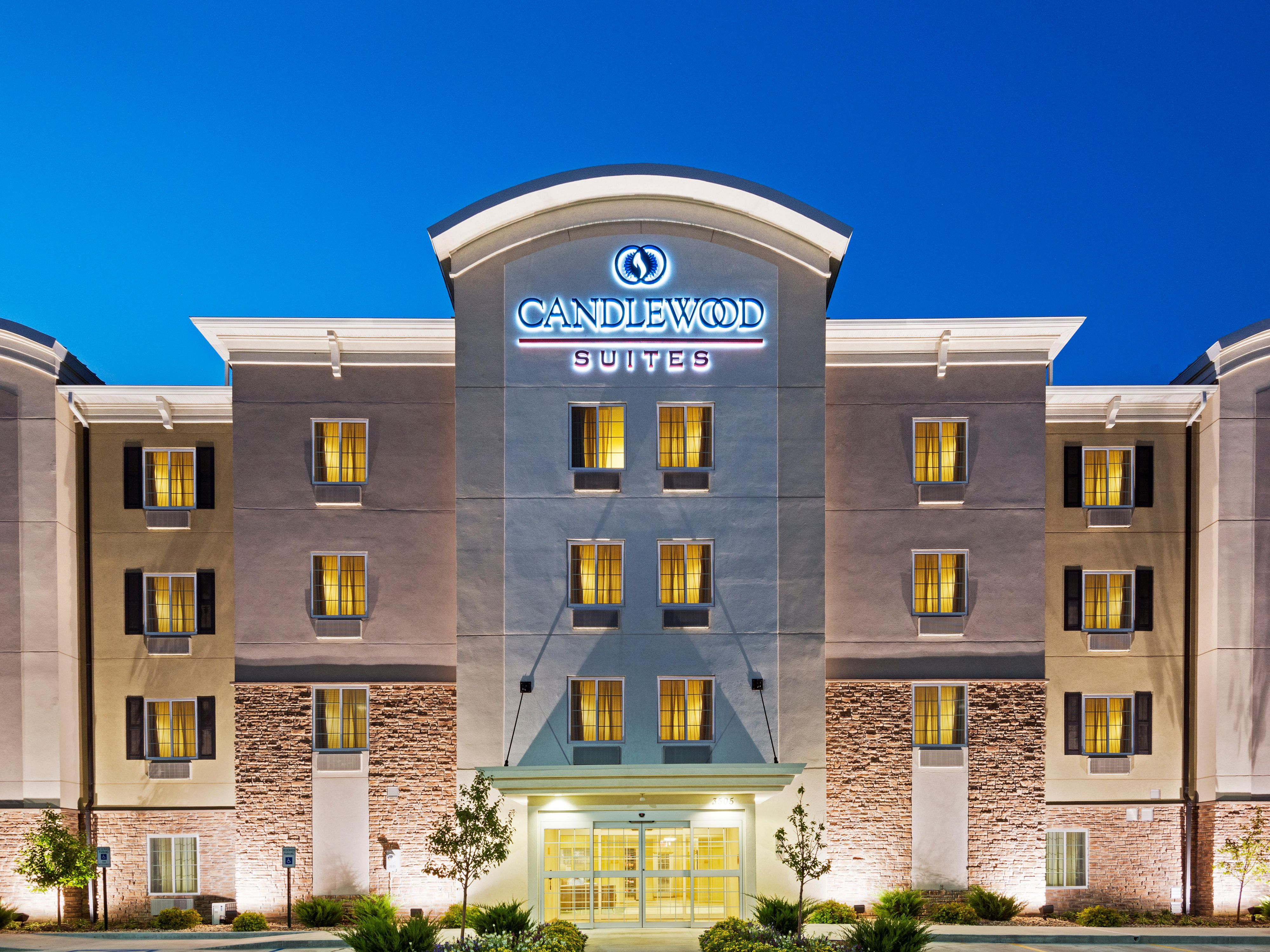 Baton Rouge Hotels Candlewood Suites College Drive Extended Stay Hotel In Louisiana