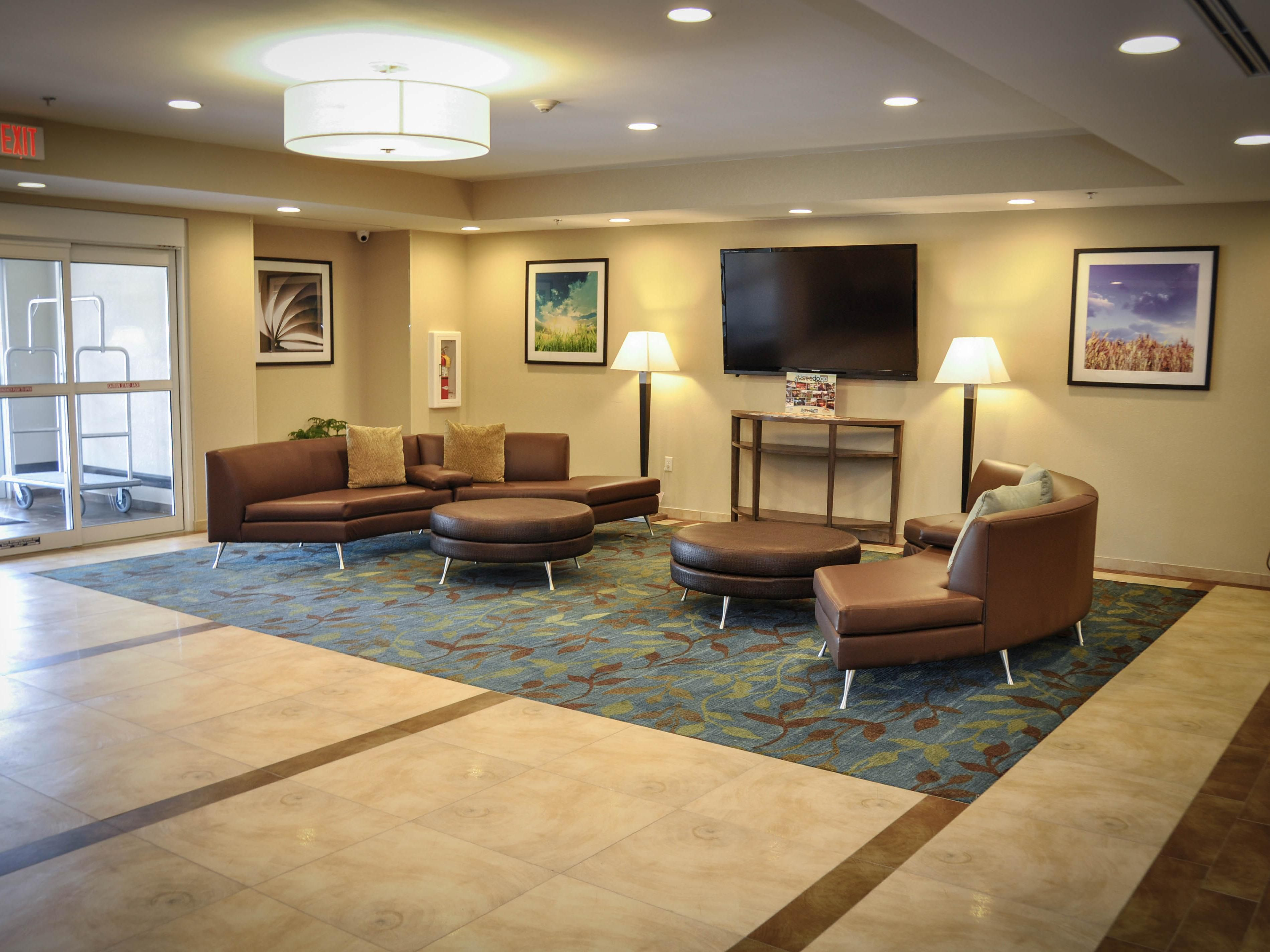Columbus Hotels: Candlewood Suites Candlewood Suites : Columbus ...