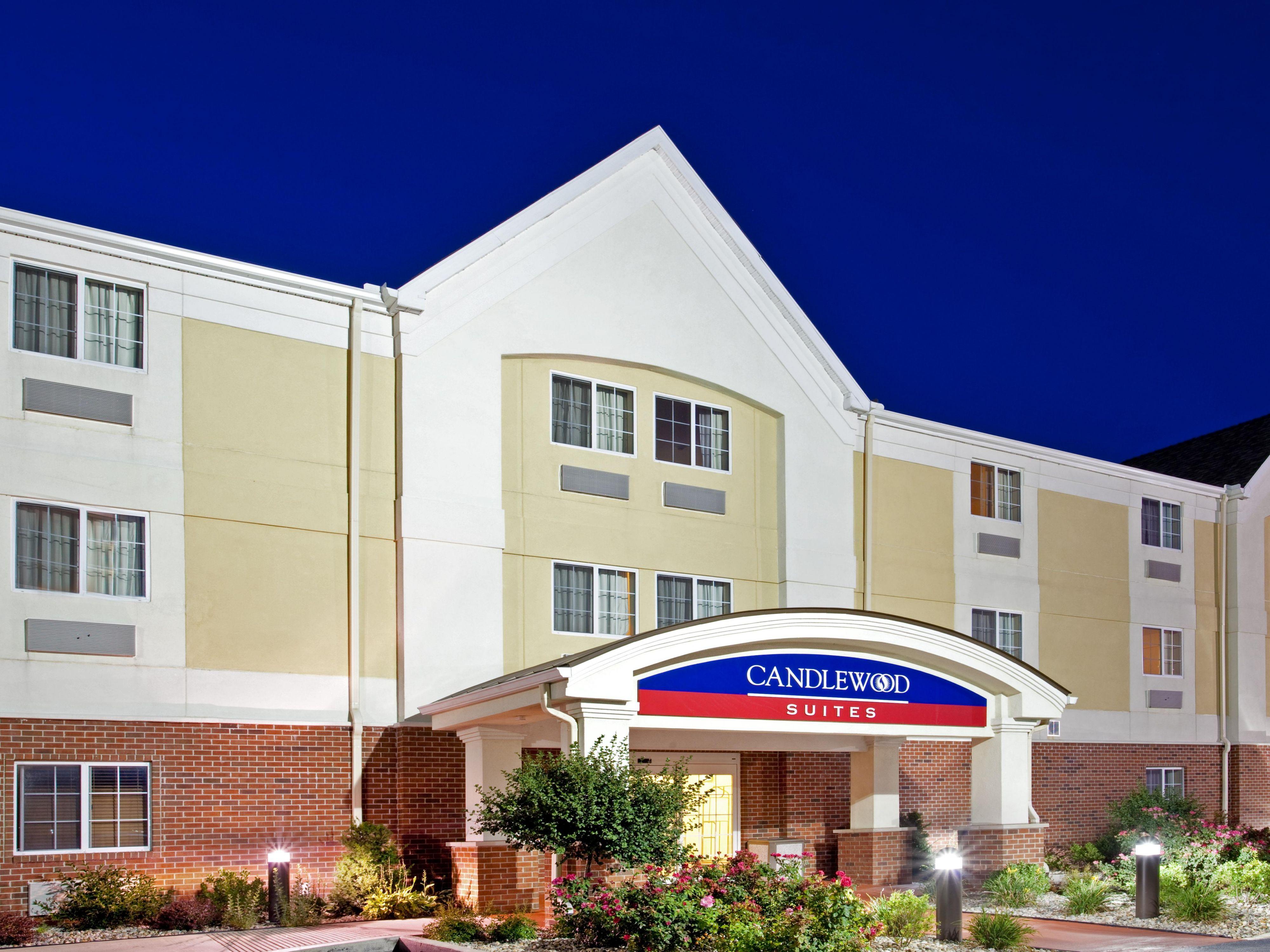 Hotels near southlake mall in merrillville for Hilton garden inn merrillville in