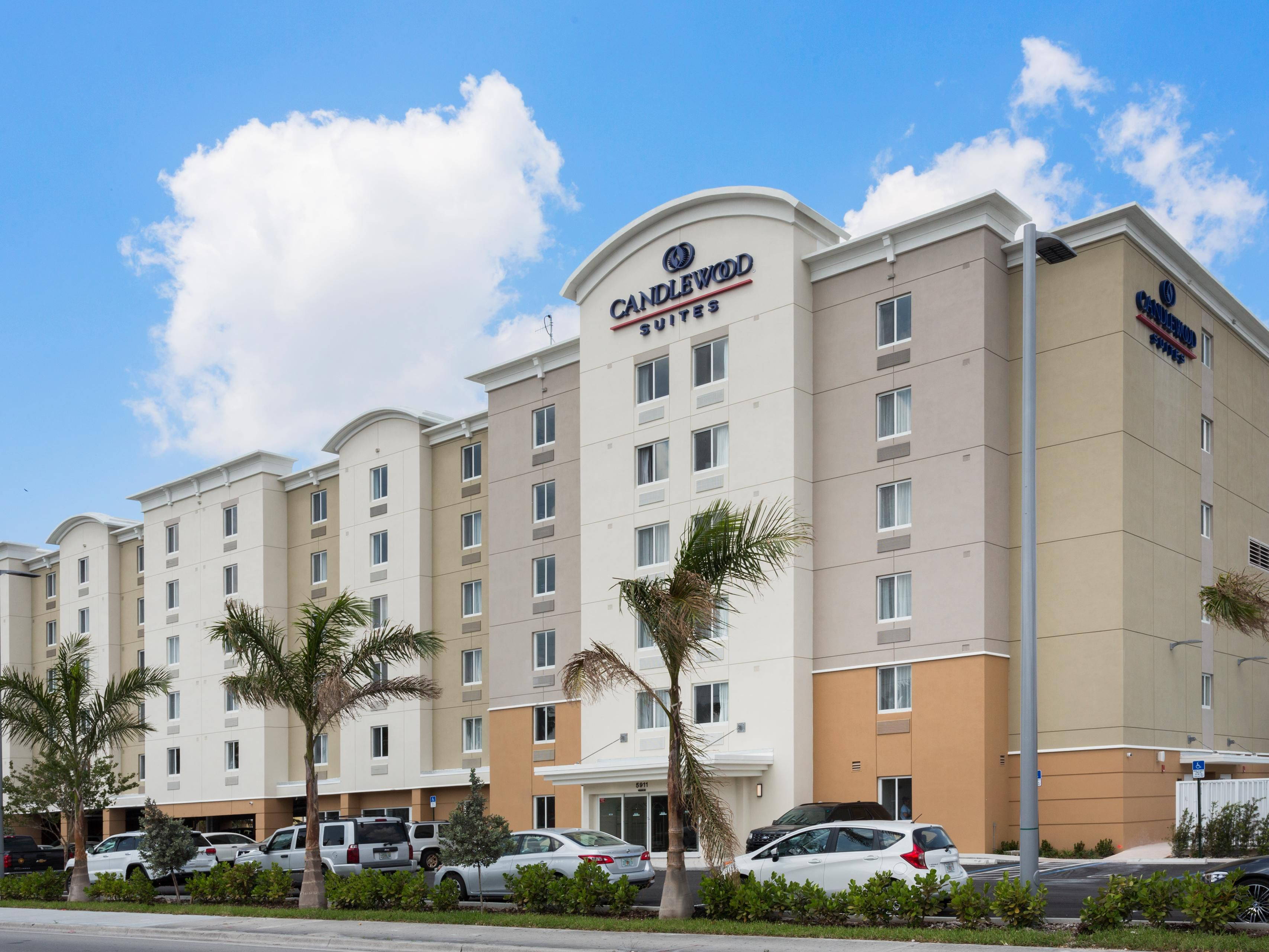 Candlewood Suites Miami Intl Airport 36th St Extended Stay Hotel In Florida
