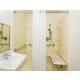 Queen Studio Roll In Shower