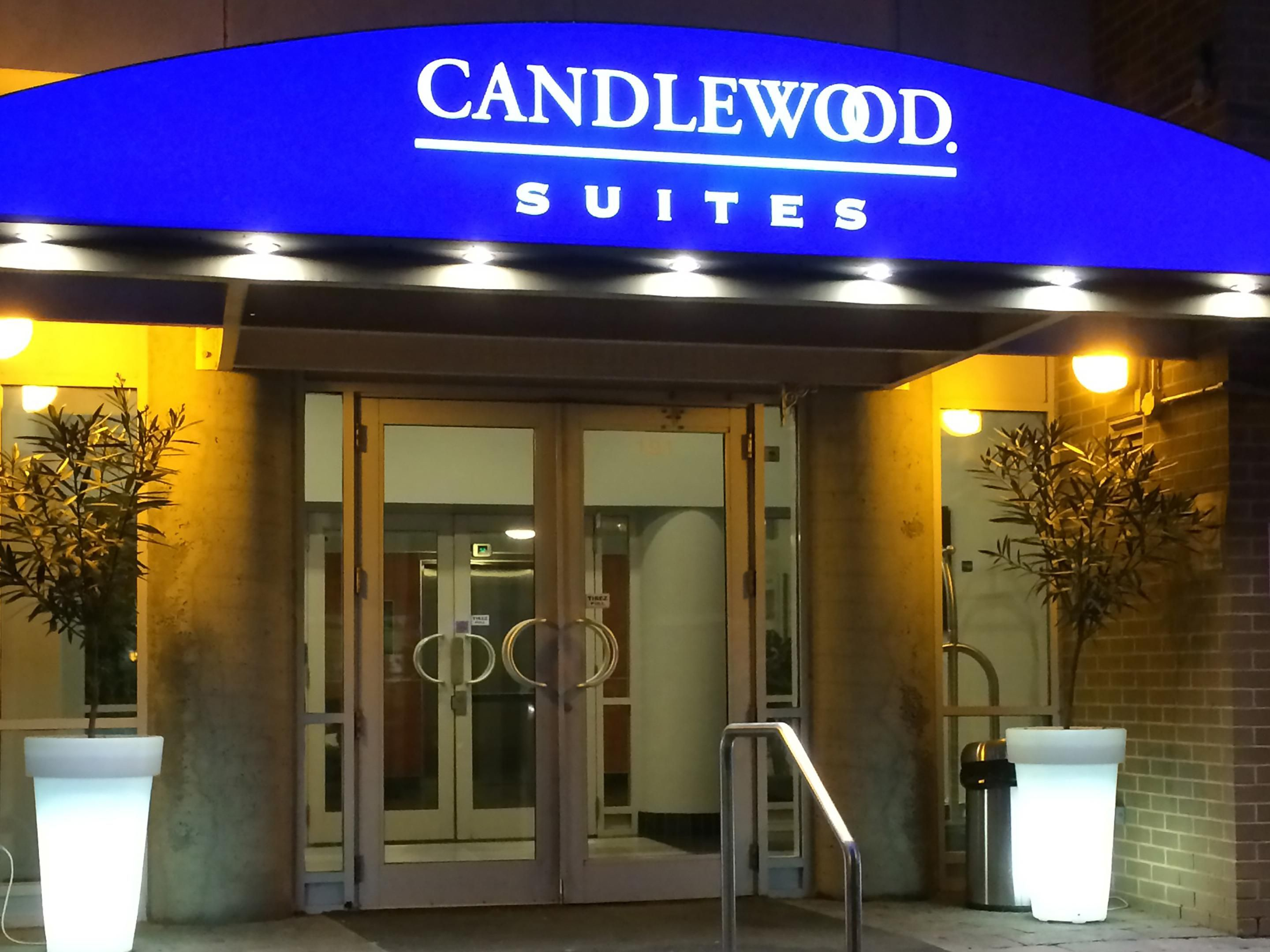 Montreal Hotels Candlewood Suites Downtown Centre Ville Extended Stay Hotel In Quebec