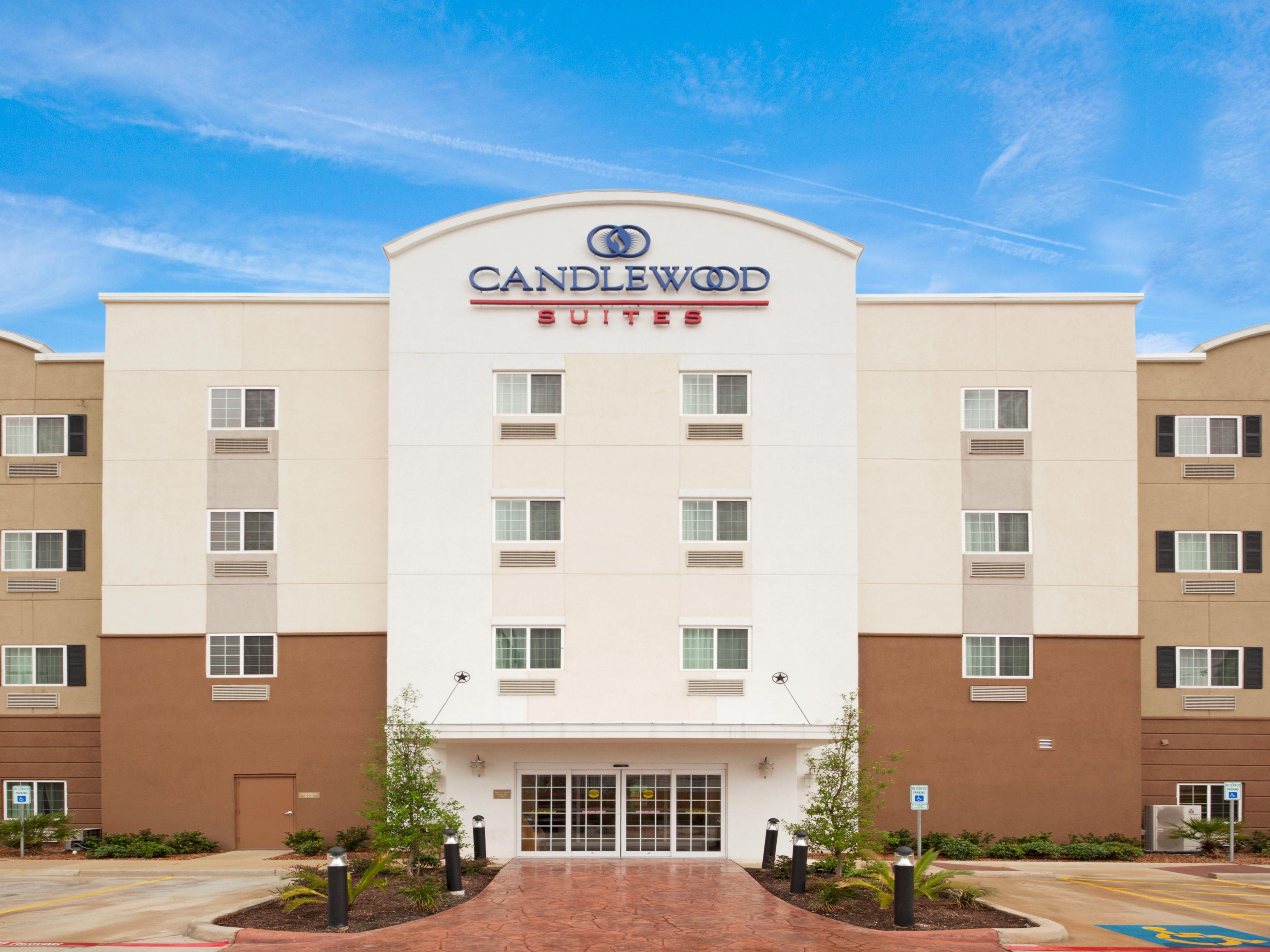 San Antonio Hotel Suites 2 Bedroom San Antonio Hotels Candlewood Suites San Antonio Downtown
