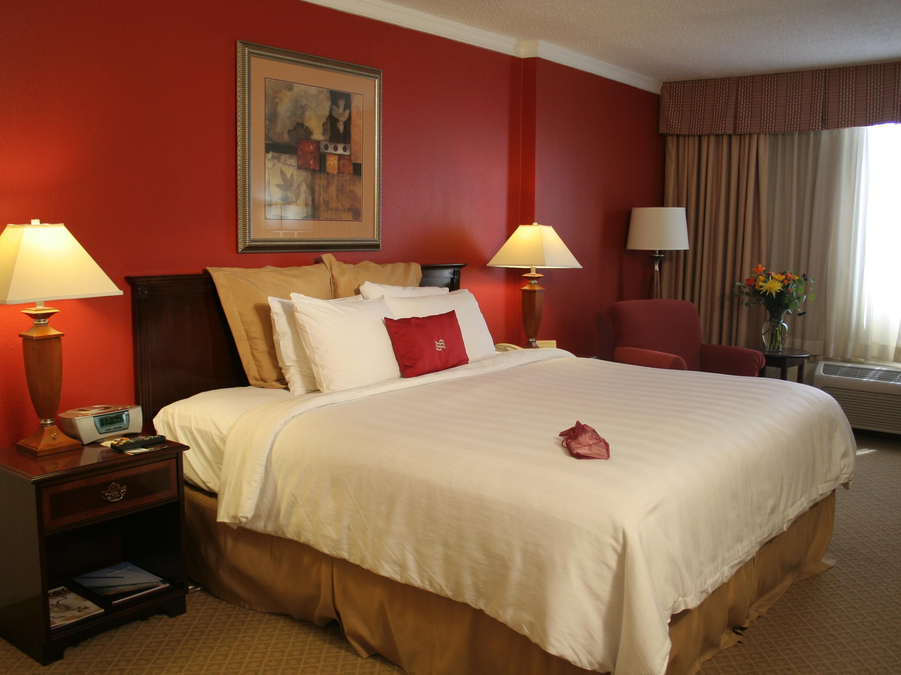 Relax in a Crowne Plaza Charlotte King Bed Guest Room