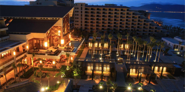 Kết quả hình ảnh cho crowne plaza danang