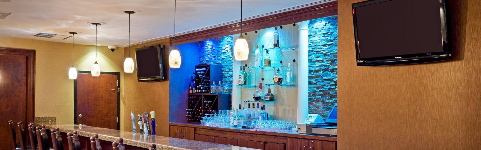 Bar and lounge photo