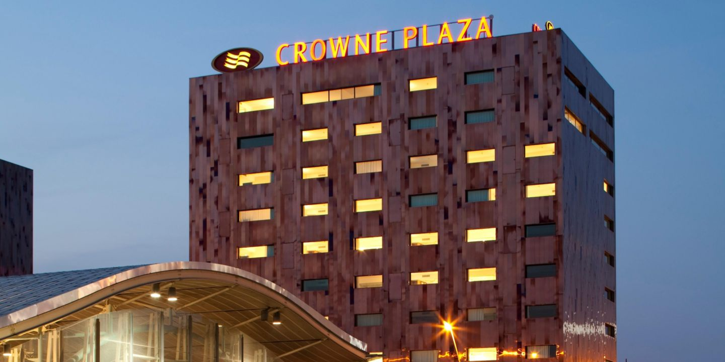 Crowne plaza lille euralille lille france for Hotels lille