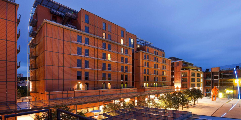 Crowne plaza lyon cite internationale lyon france for Hotel a lyon pas cher formule 1