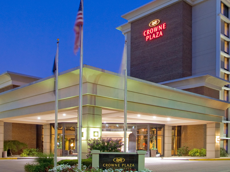 The Crowne Plaza Is Premier Hotel In Tysons Corner Va