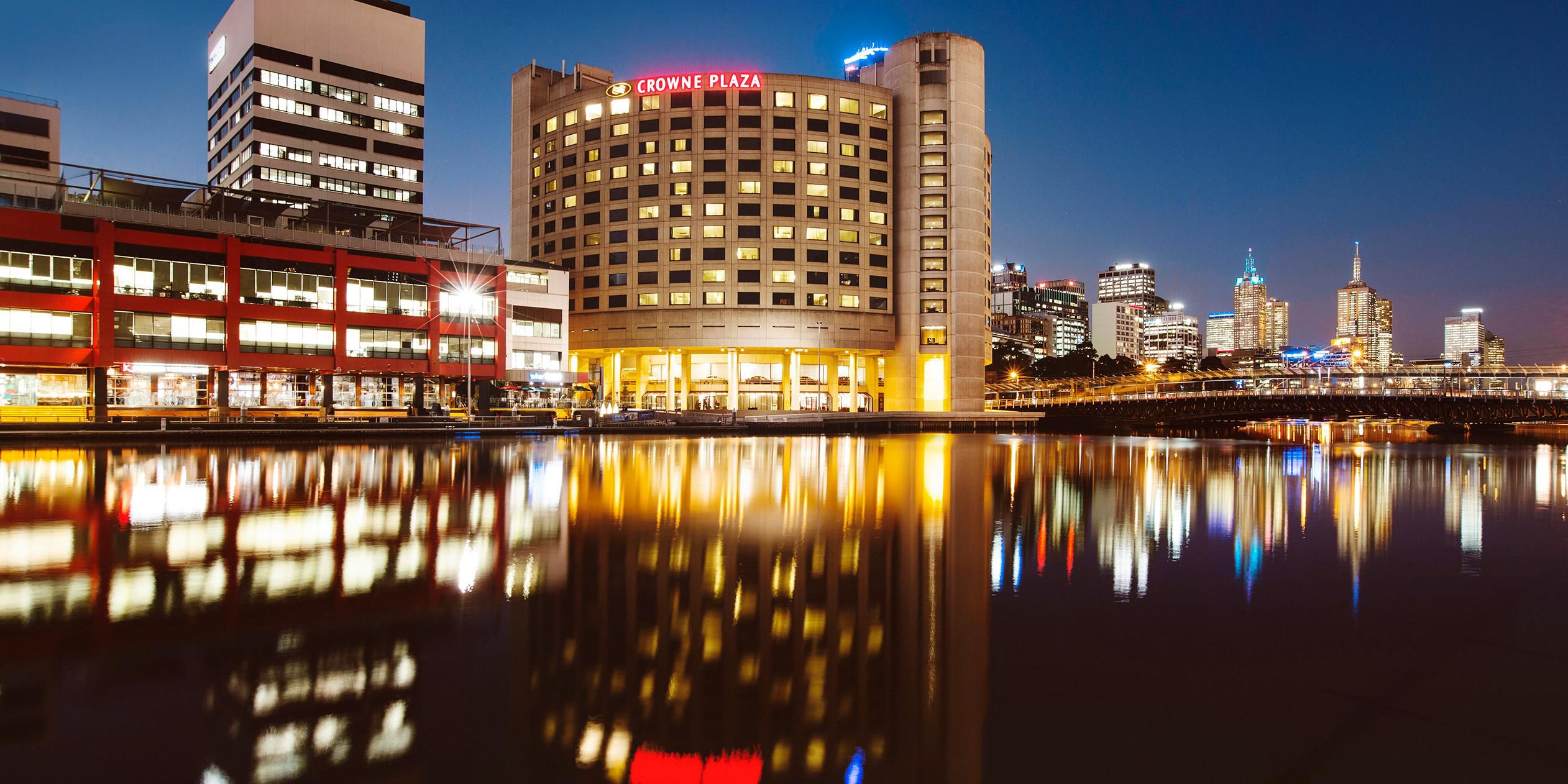 Hotels in melbourne near crown casino wolf run slot machines download