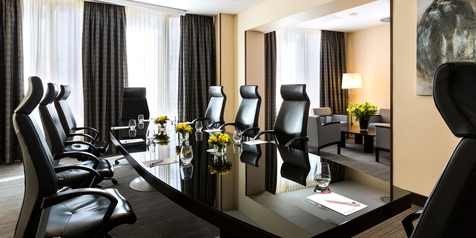 Crowne plaza paris republique hotel meeting rooms for rent for Peripherique exterieur paris