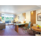 Crowne-Plaza-Reading-Club-Suite-Living-Room-Area