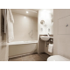 Crowne-Plaza-Reading-Family-Room-Bathroom