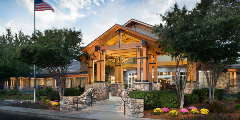 Asheville, NC Hotels | Crowne Plaza Resort Asheville on
