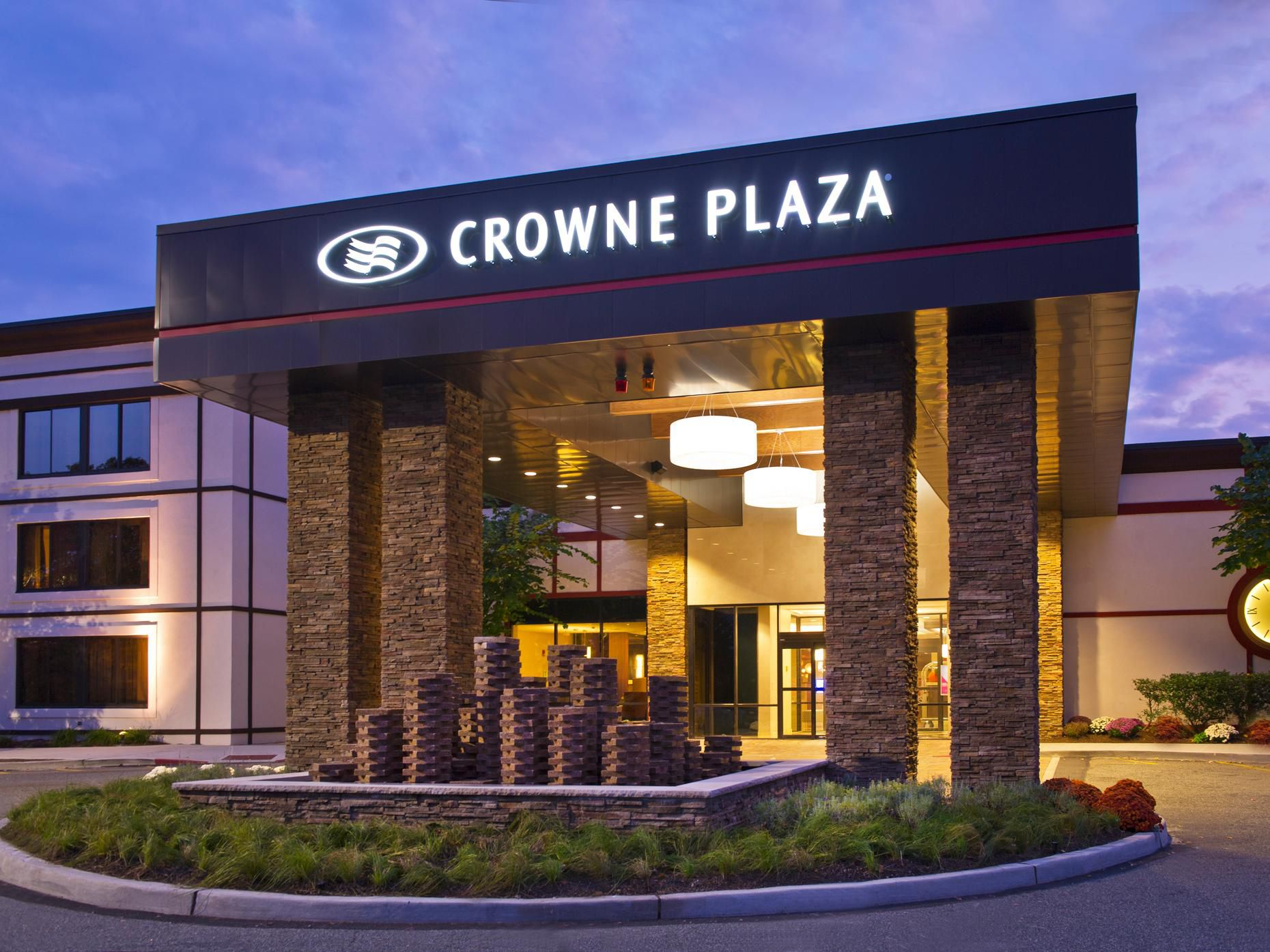Crowne Plaza Suffern-Mahwah