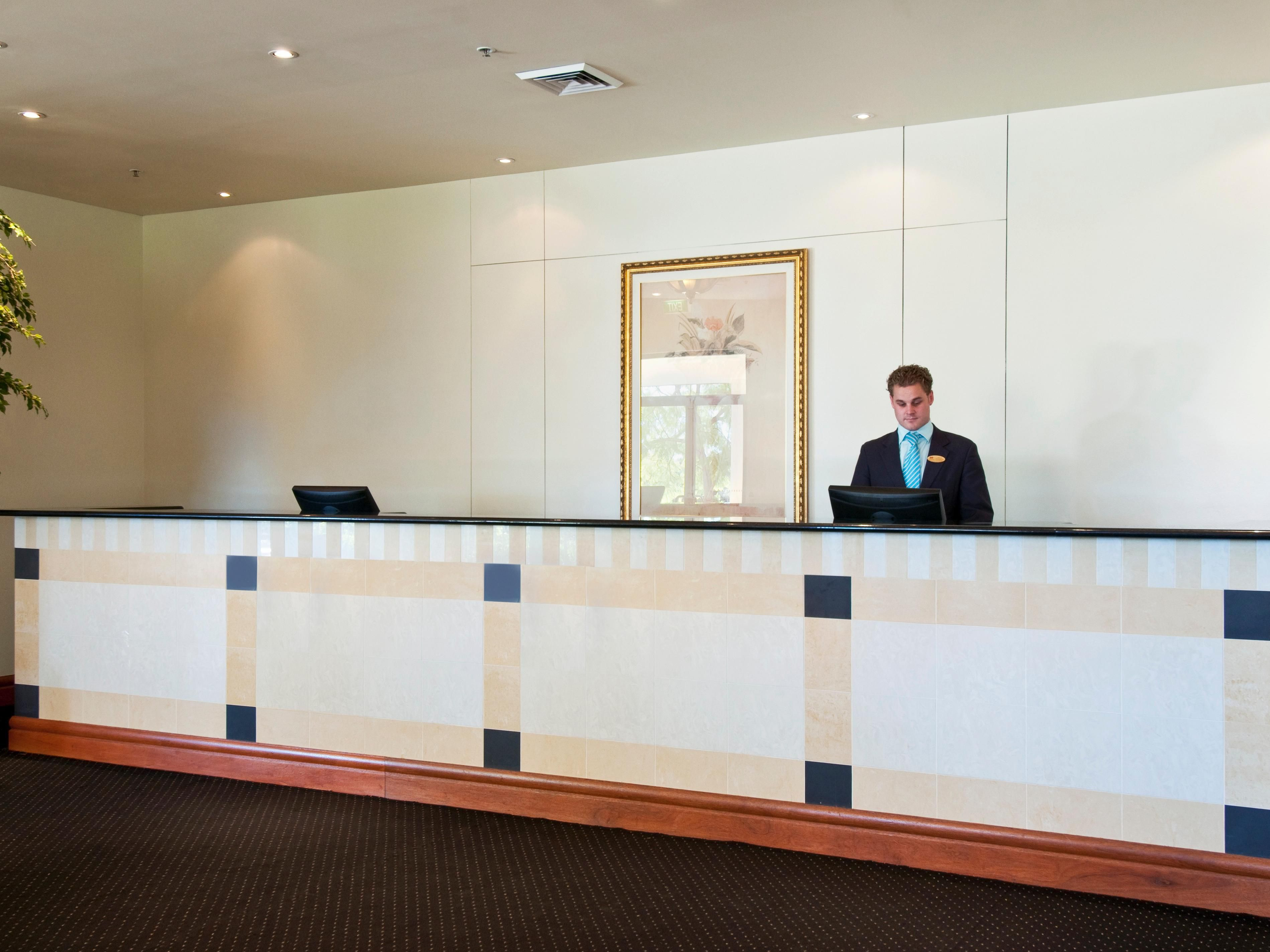 Crowne Plaza Norwest Reception