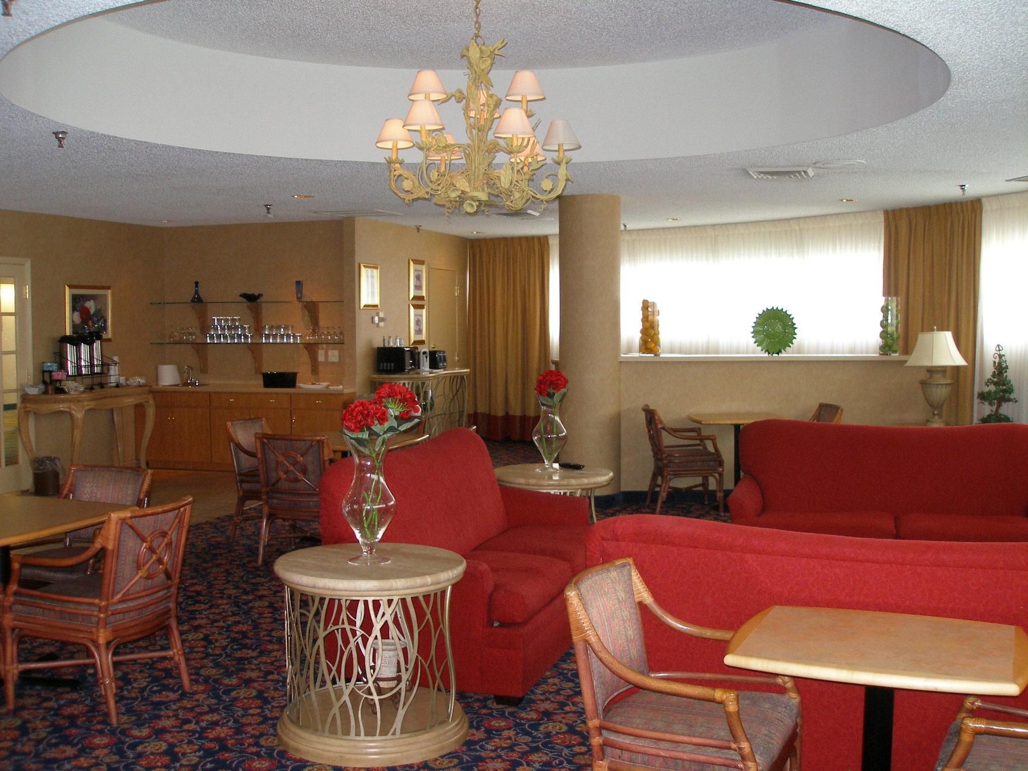 Crowne Plaza Tampa Hotel Concierge Lounge