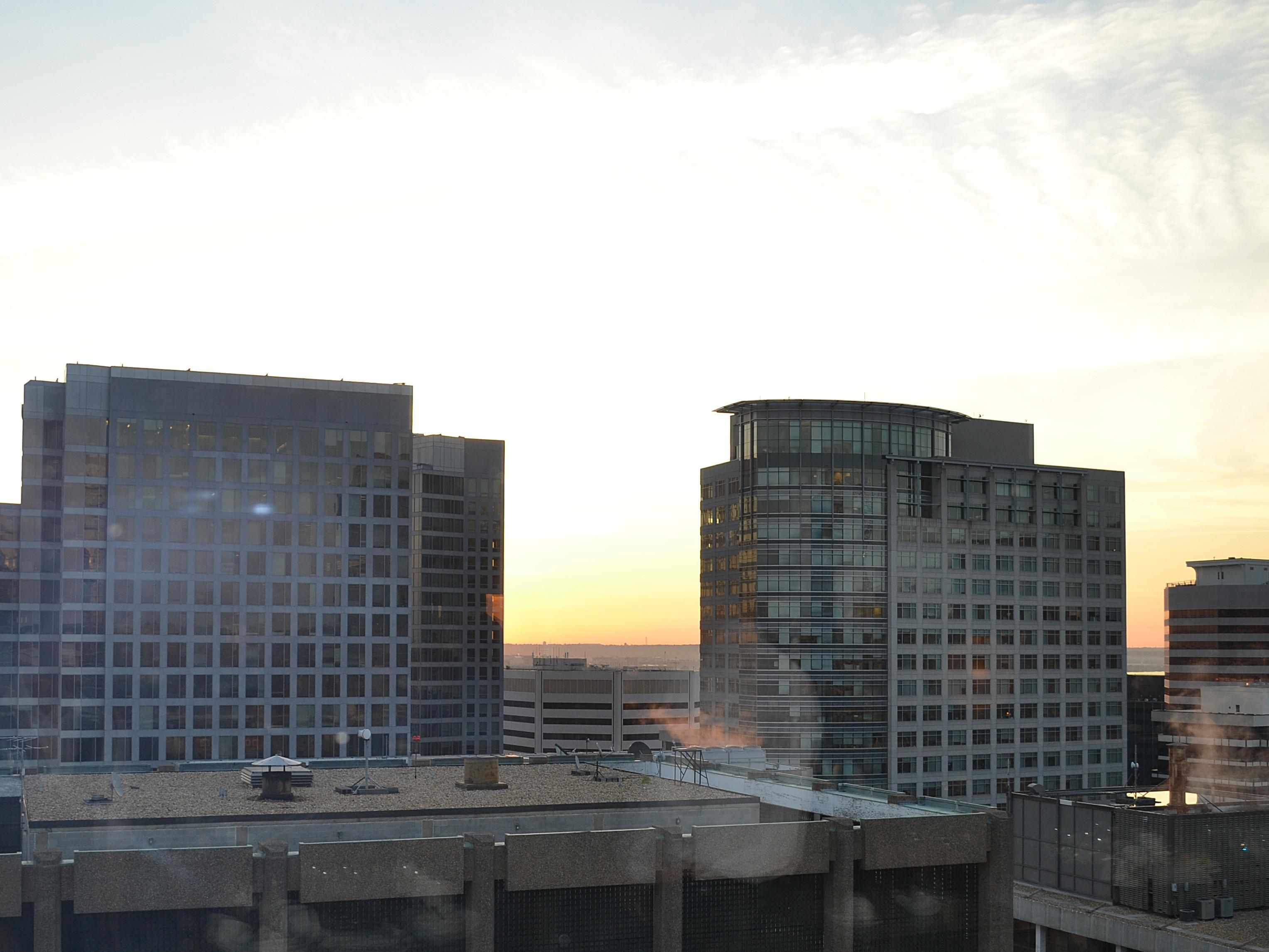 Holiday Inn Rosslyn at Key Bridge Rosslyn Sunrise