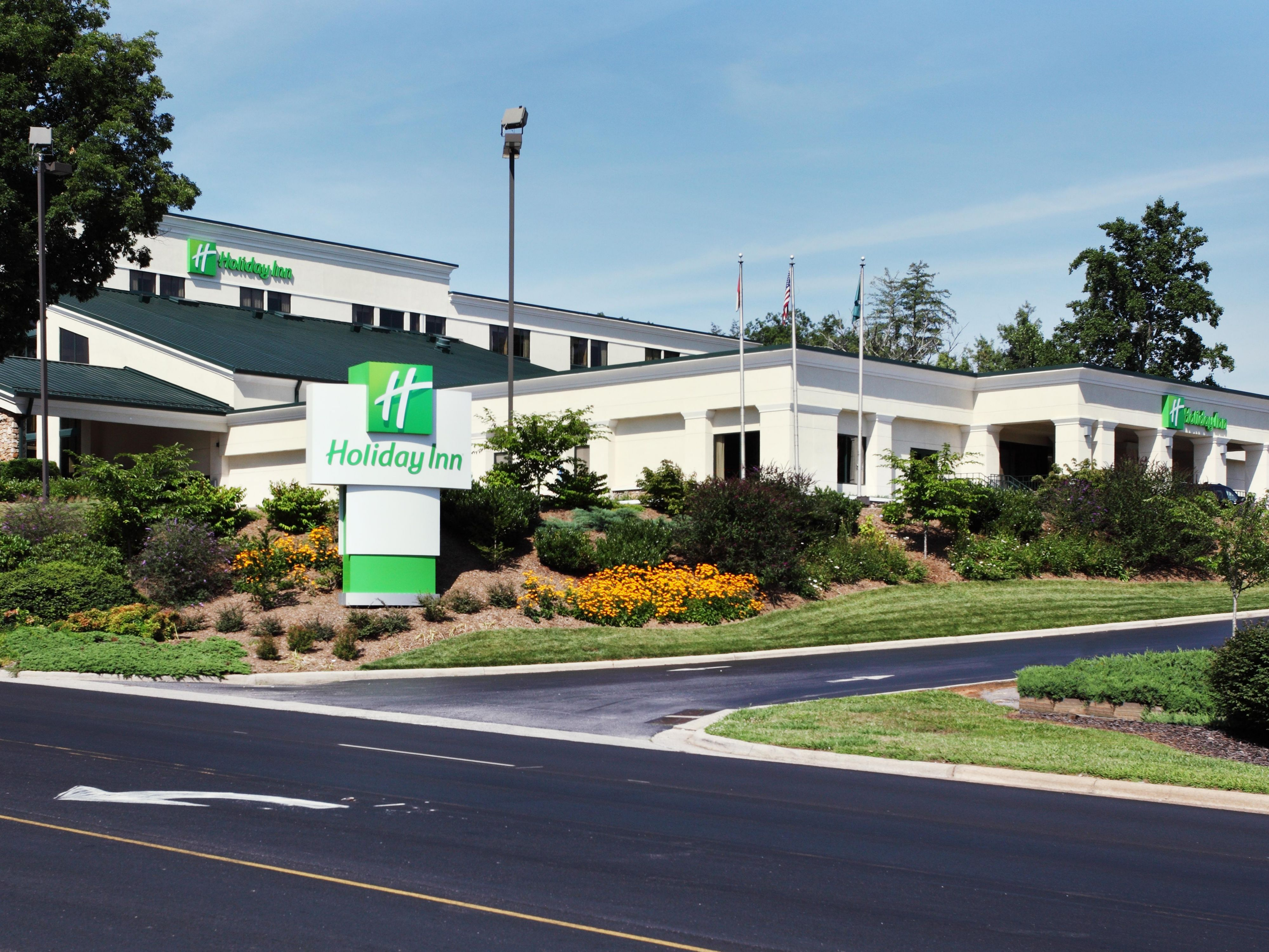 Welcome to Holiday Inn - Biltmore West