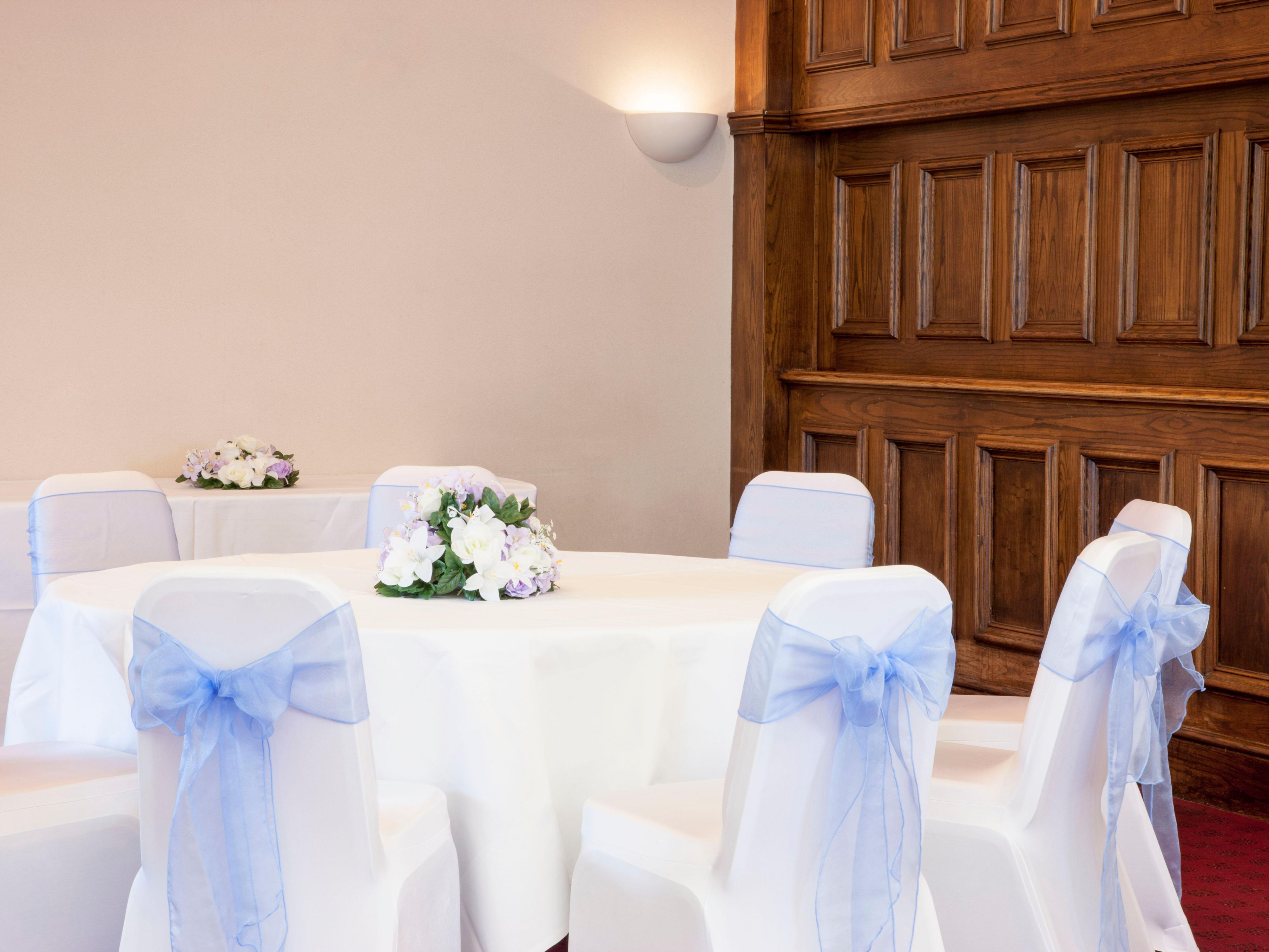 Wye suite wedding with purple bows