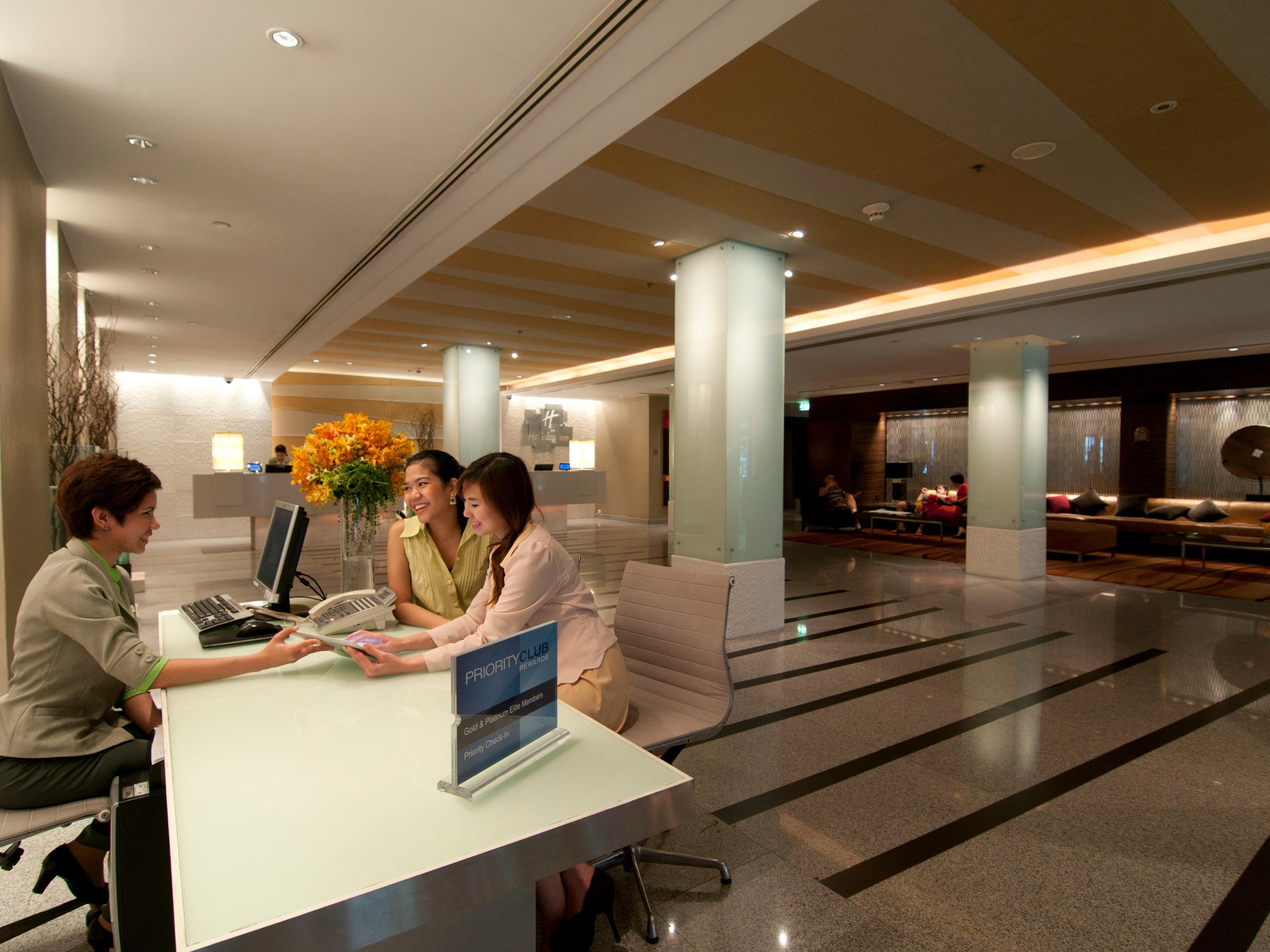 Holiday Inn Bangkok - Concierge