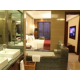 Holiday Inn Executive Suite-Bathroom