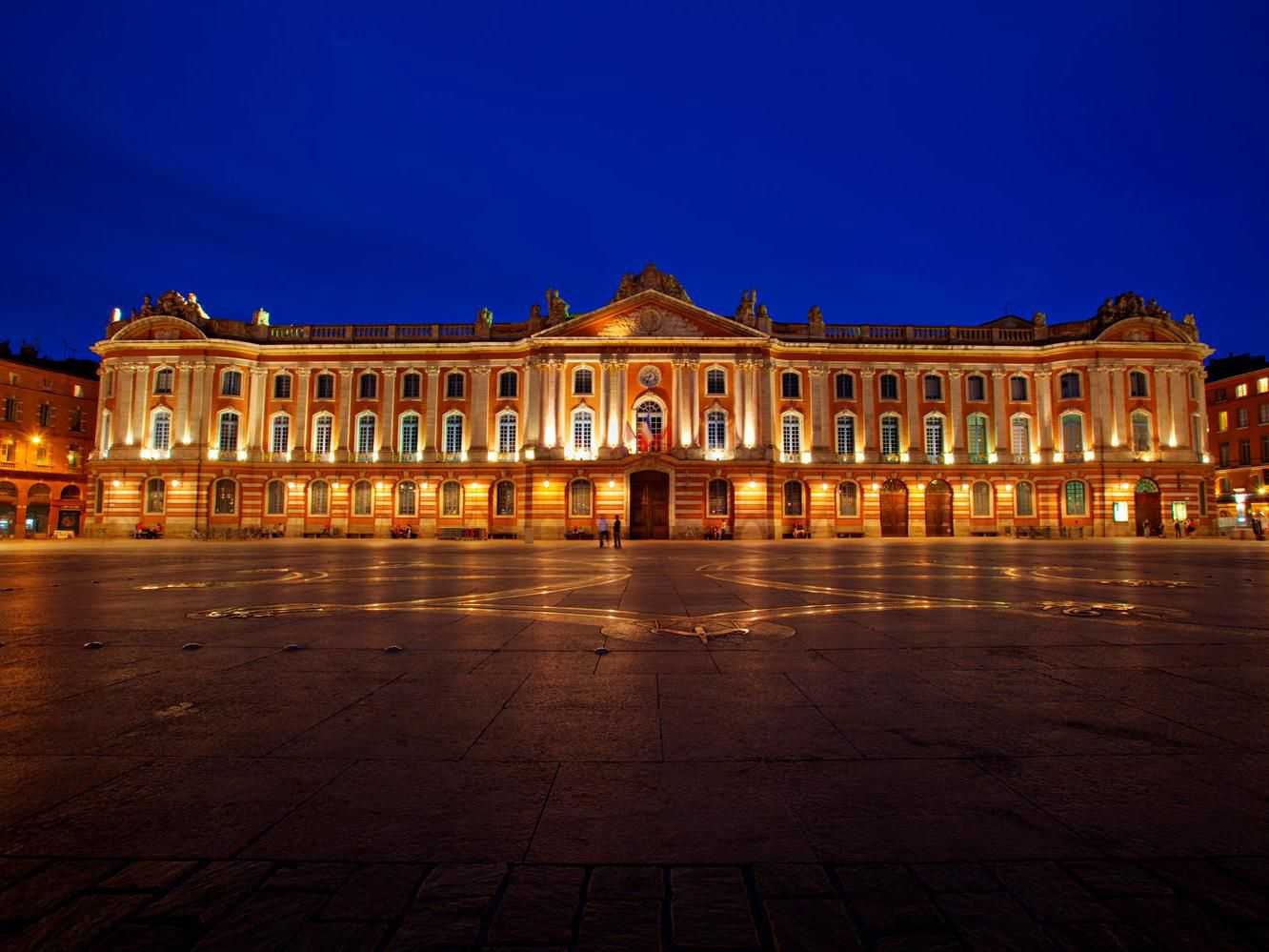 Have a look at the Capitole!