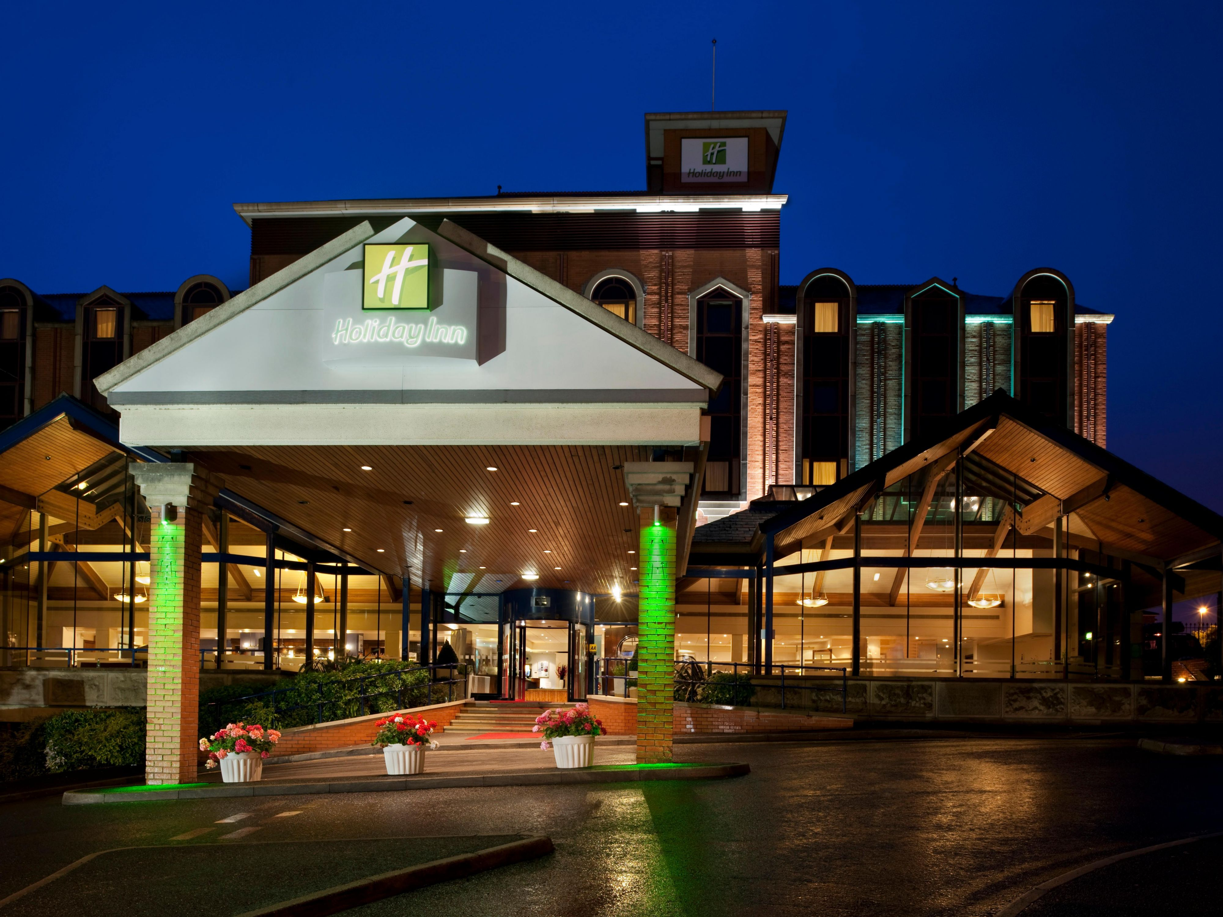 Holiday Inn Bolton Exterior Feature