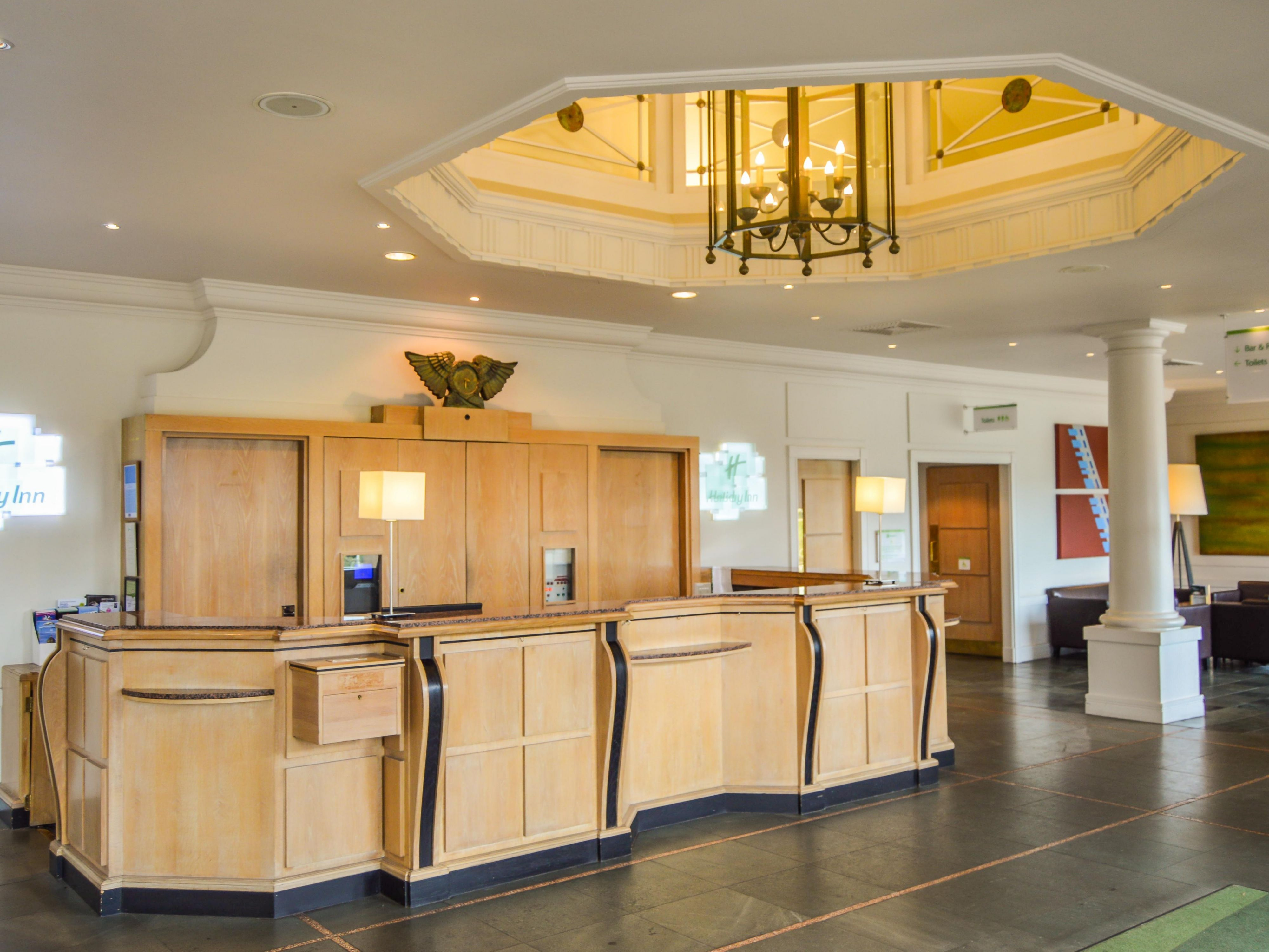 Holiday Inn Reception Desk