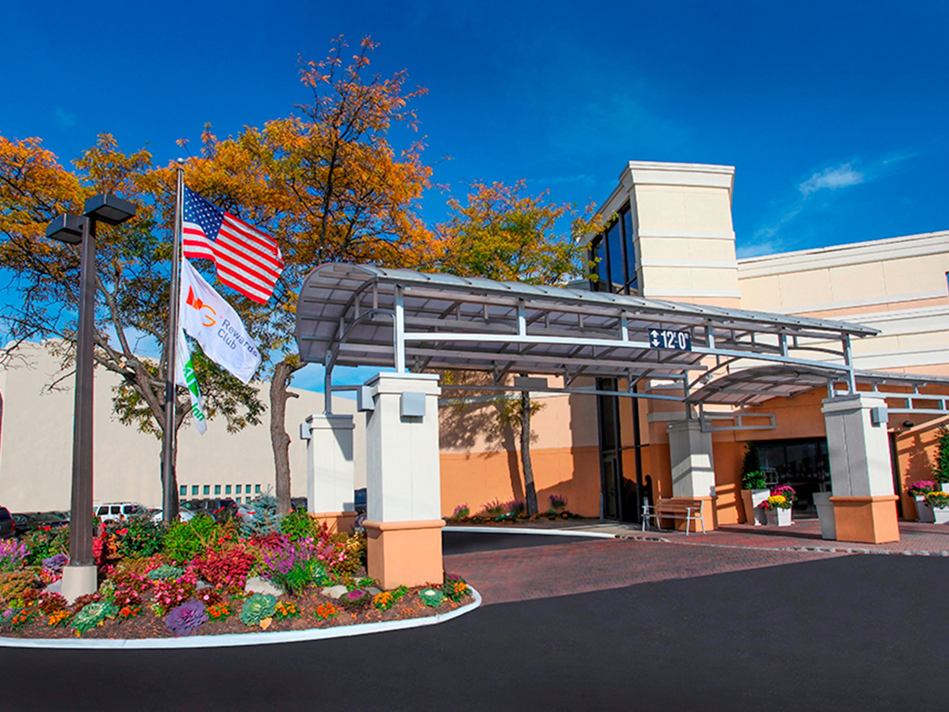 Welcome to the Holiday Inn Westbury!