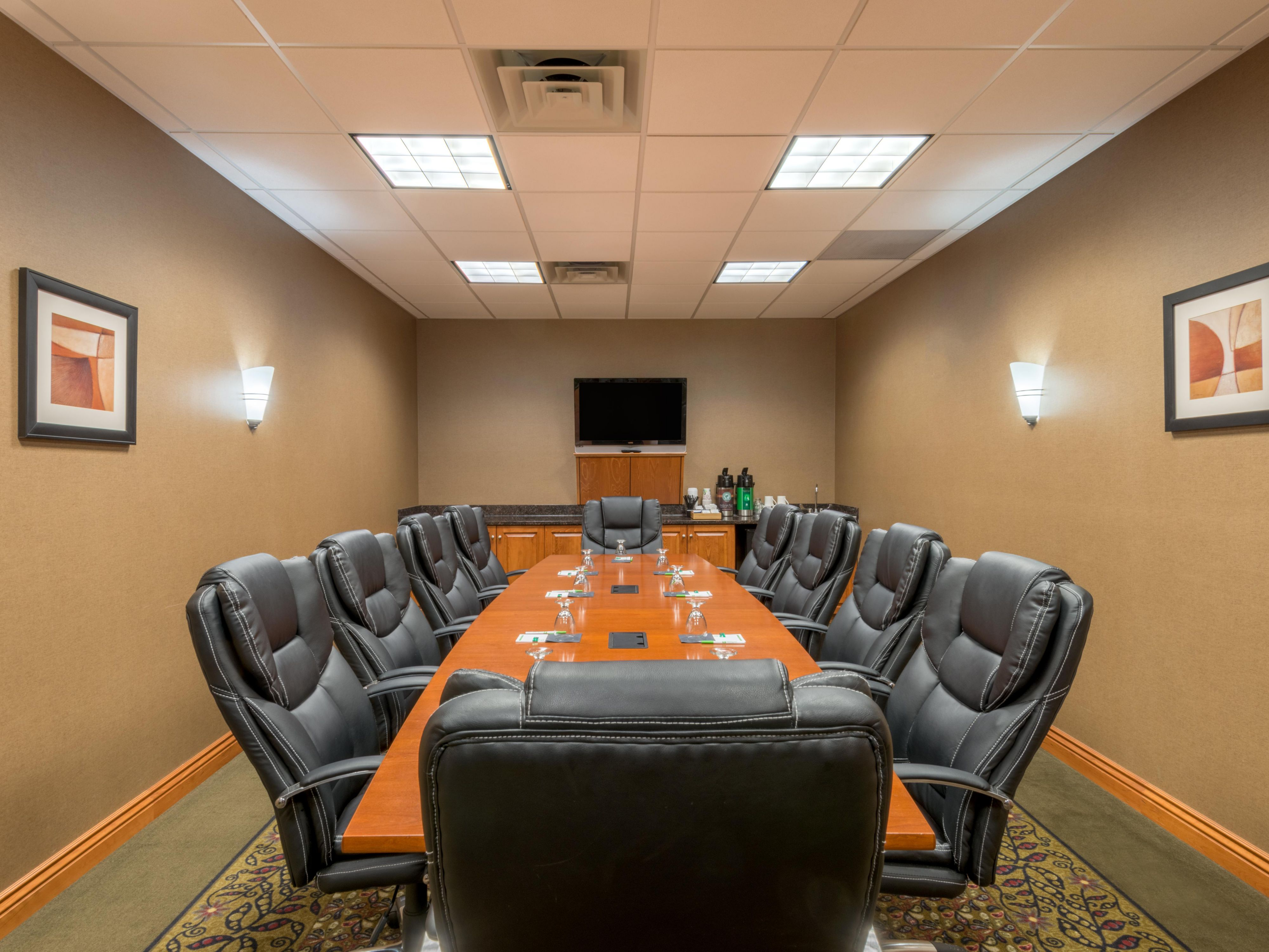Boardroom to accommodate up to 10 people