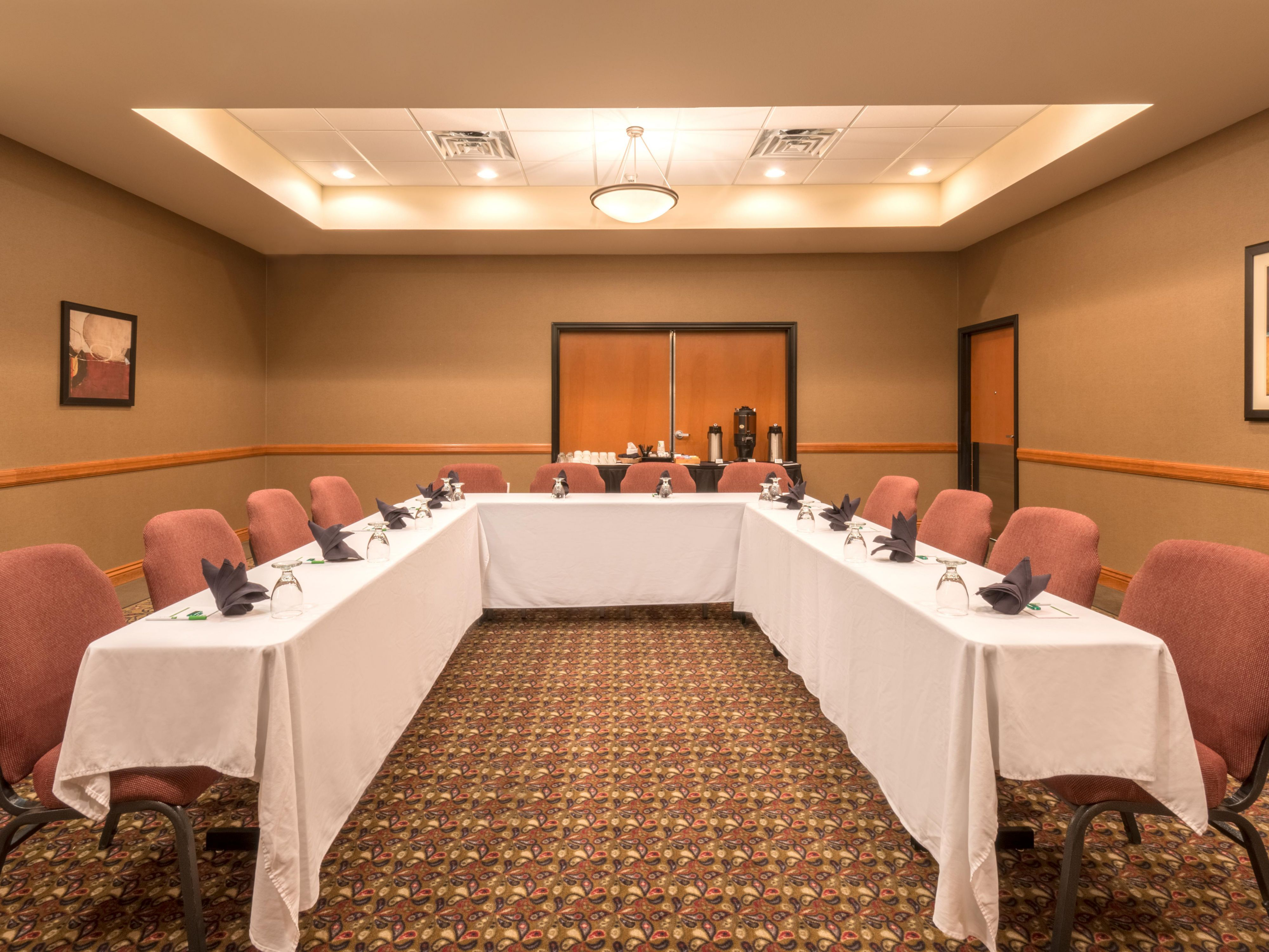 Prairie Room accommodates up to 40 people in a variety of settings