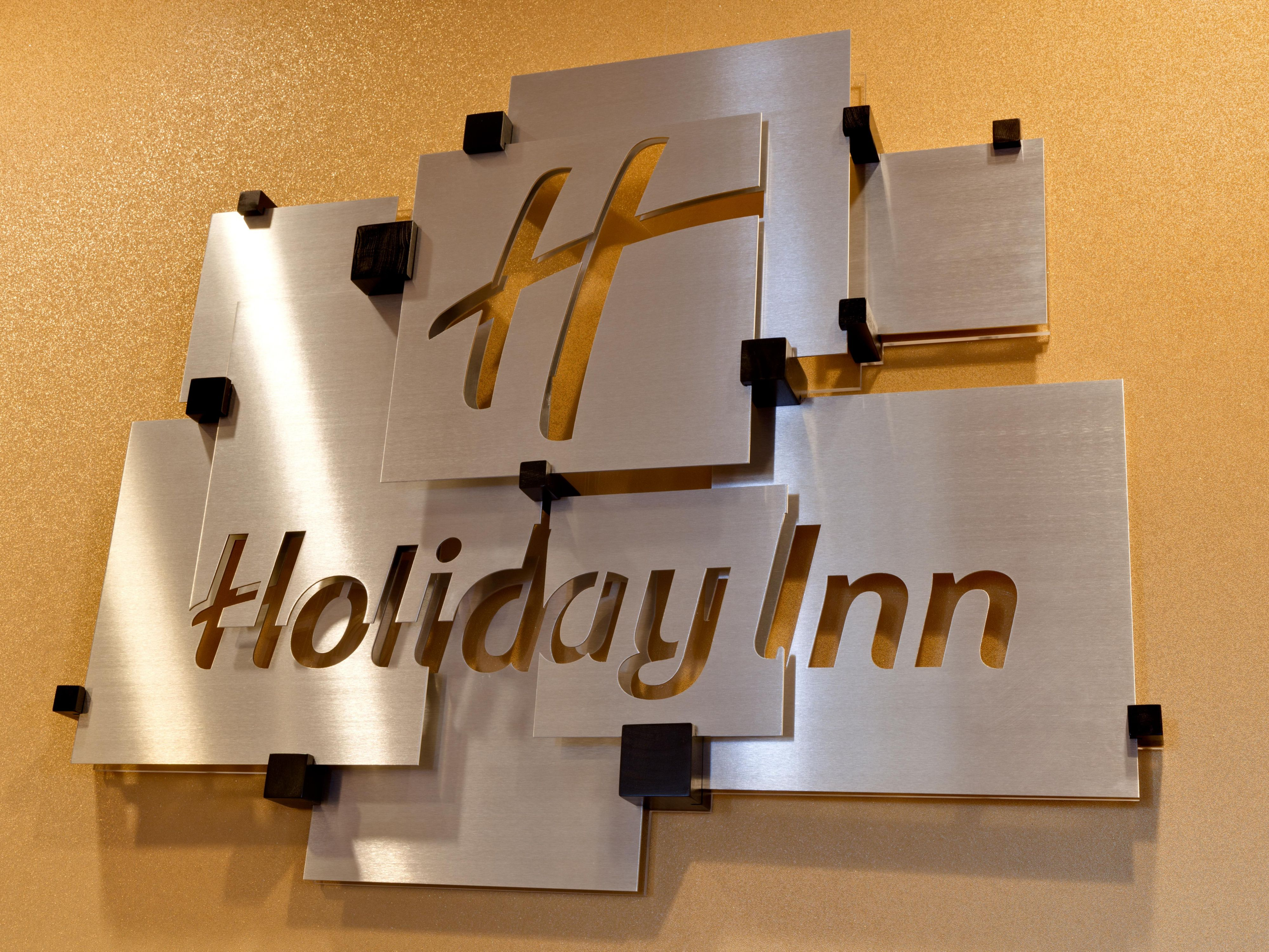 Welcome to the Holiday Inn Mart Plaza