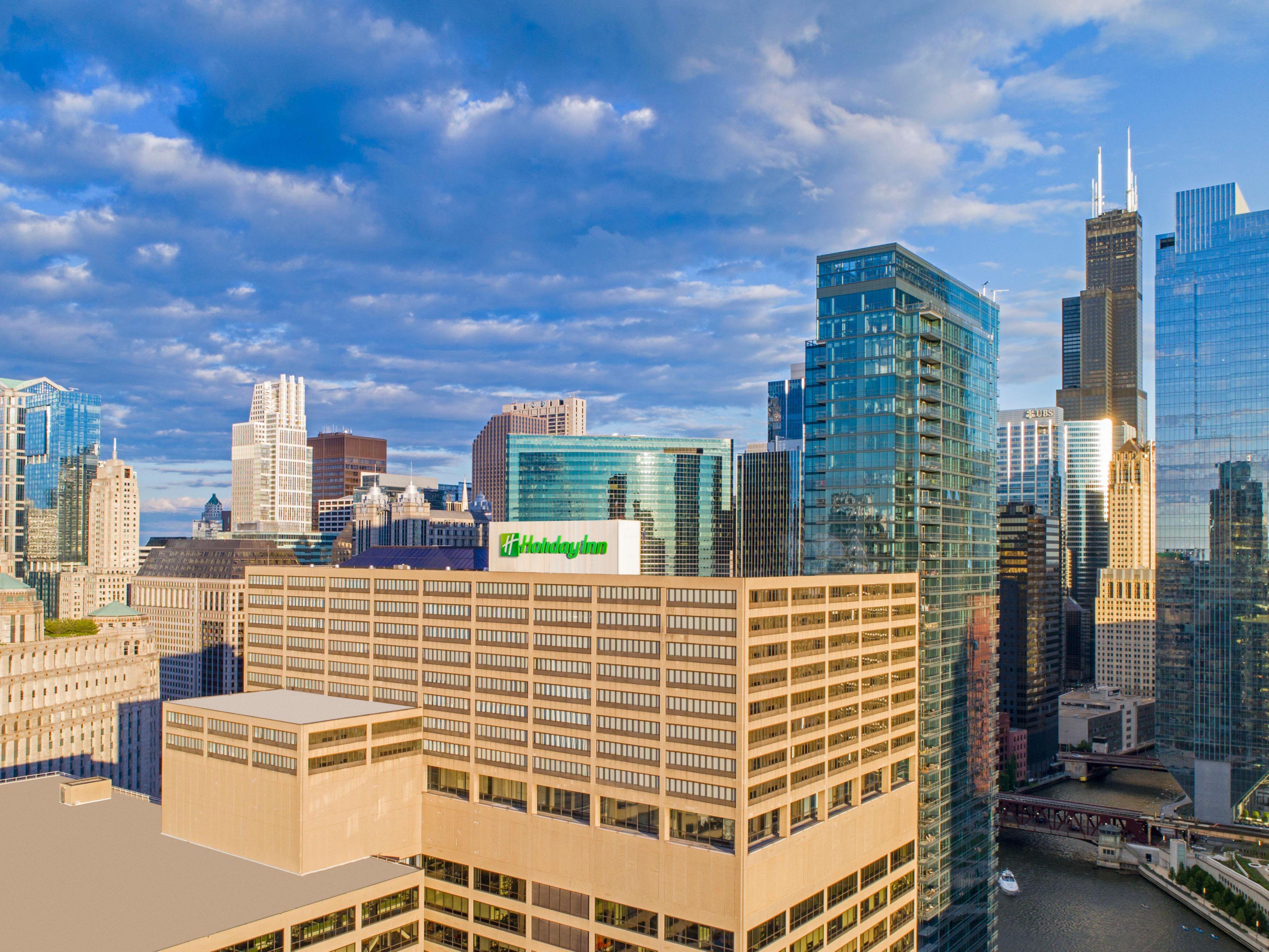 Holiday inn chicago mart plaza river north hotel ihg solutioingenieria Choice Image