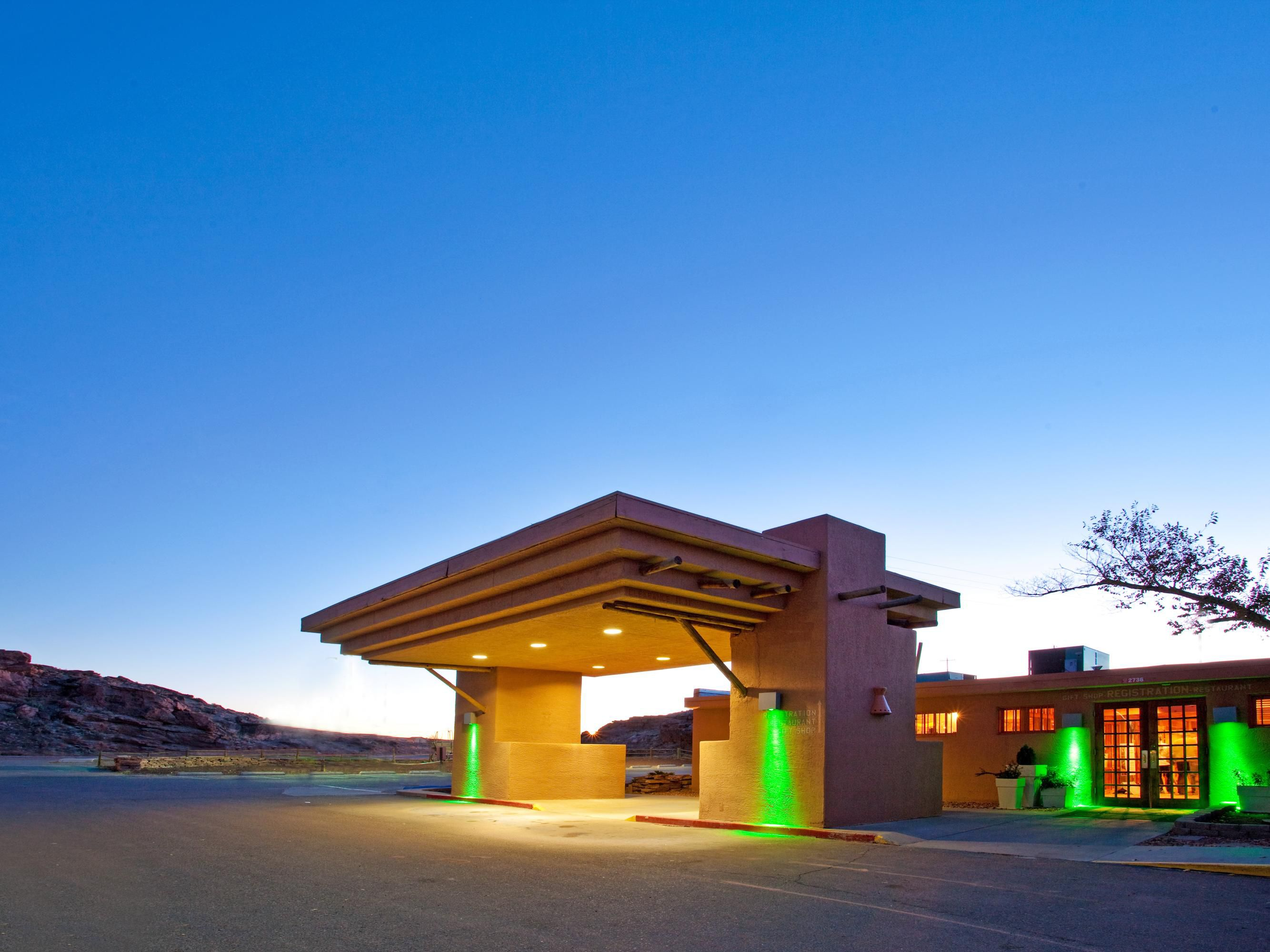 Holiday inn canyon de chelly chinle hotel by ihg for Hotel hotel hotel