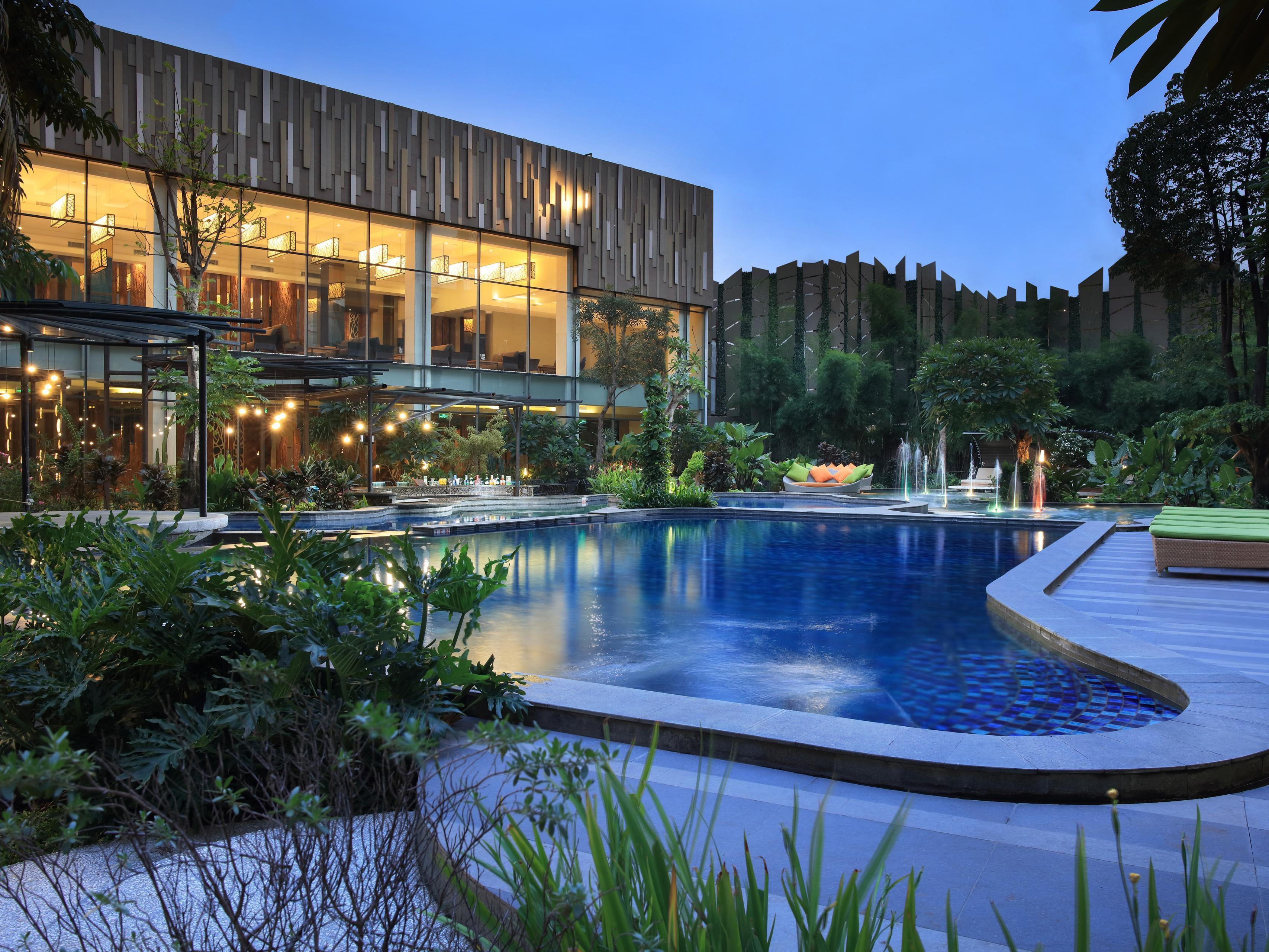 Holiday Inn Cikarang Jababeka Hotel By Ihg Voucher Water Boom Lippo