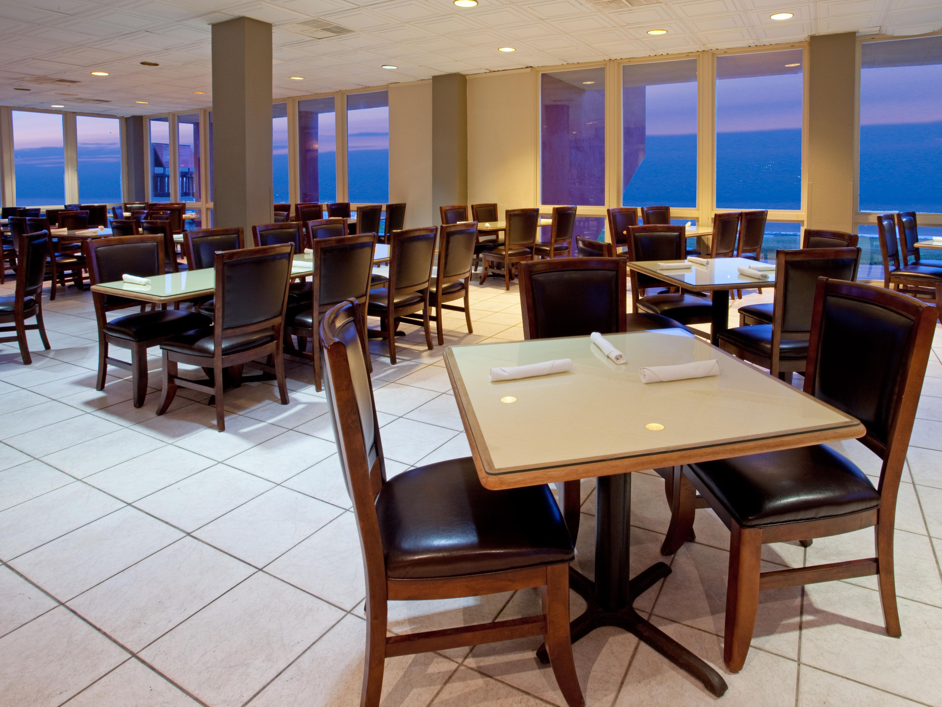 Hotel Restaurant with Ocean View
