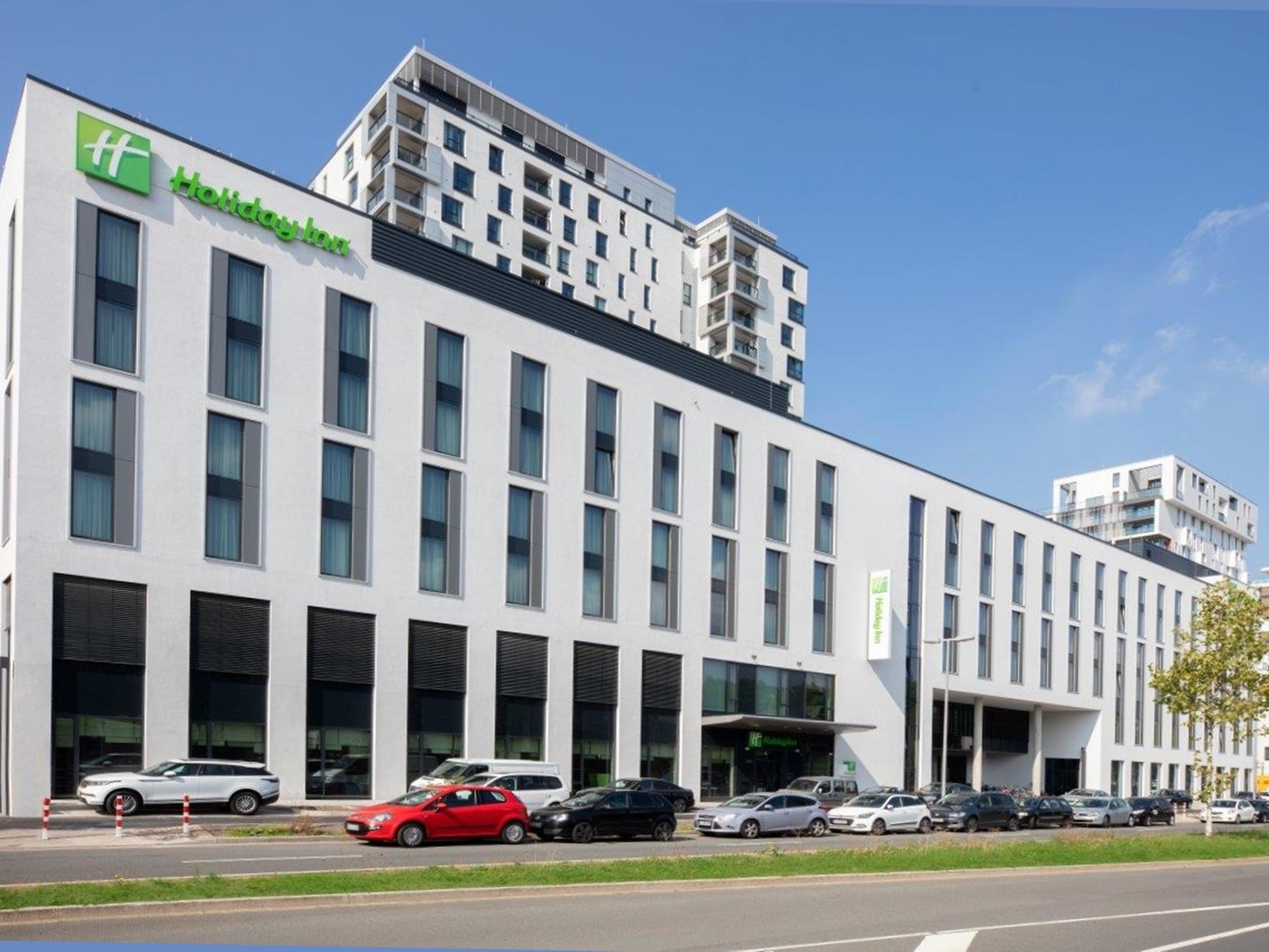 Hotels In Der Nahe Von Flughafen Dusseldorf Dus Holiday Inn