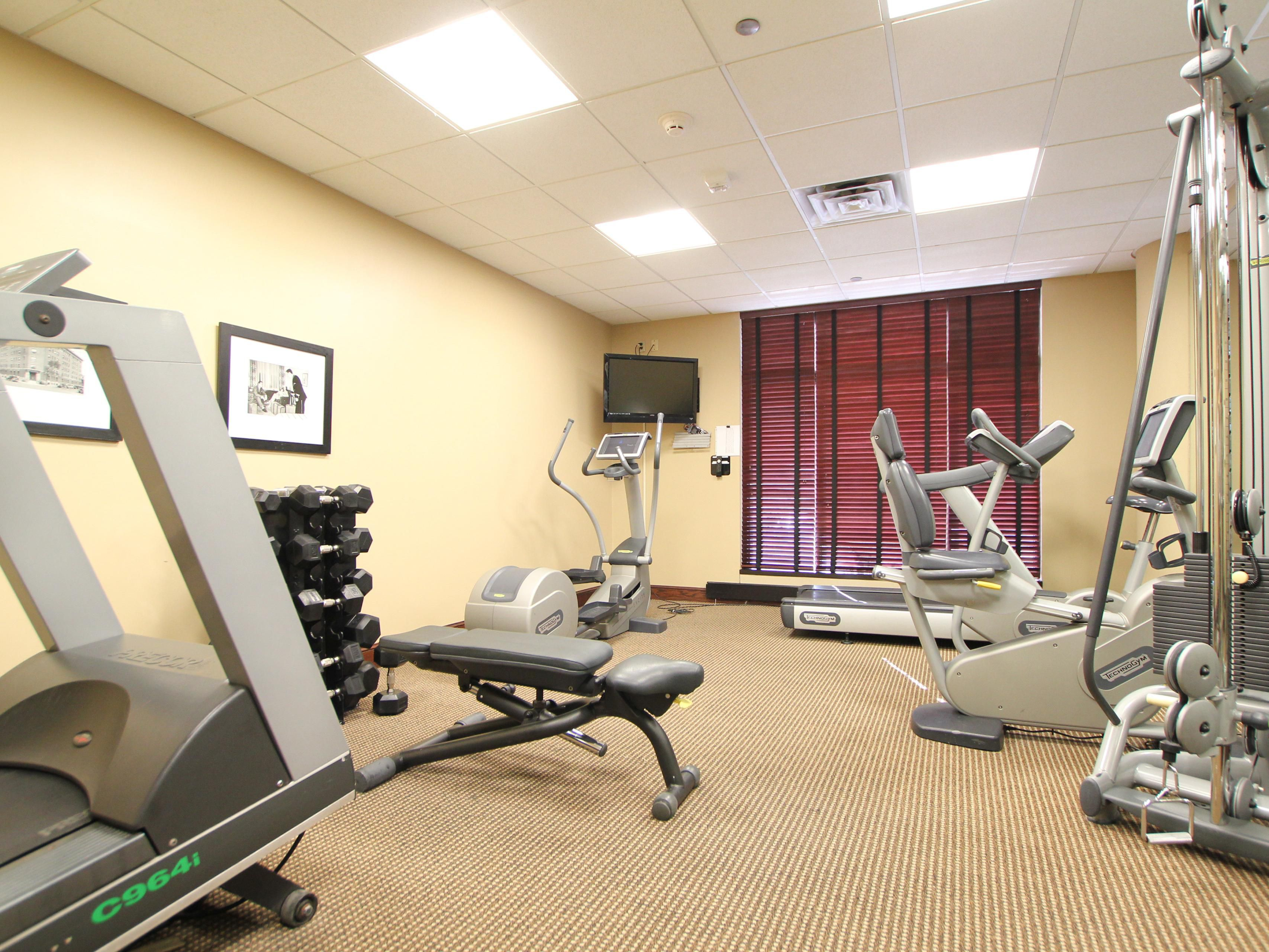 Break a sweat in our Fitness Center - Holiday Inn Eagan