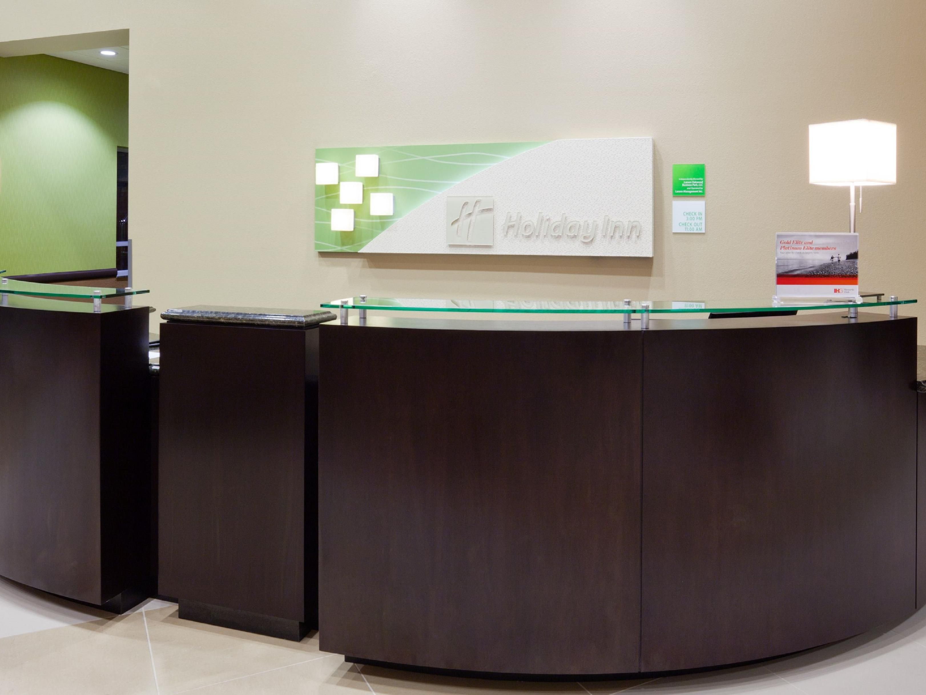 Front Desk Area at the Holiday Inn Eau Claire South