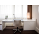 Presidential suite - Bright workspace
