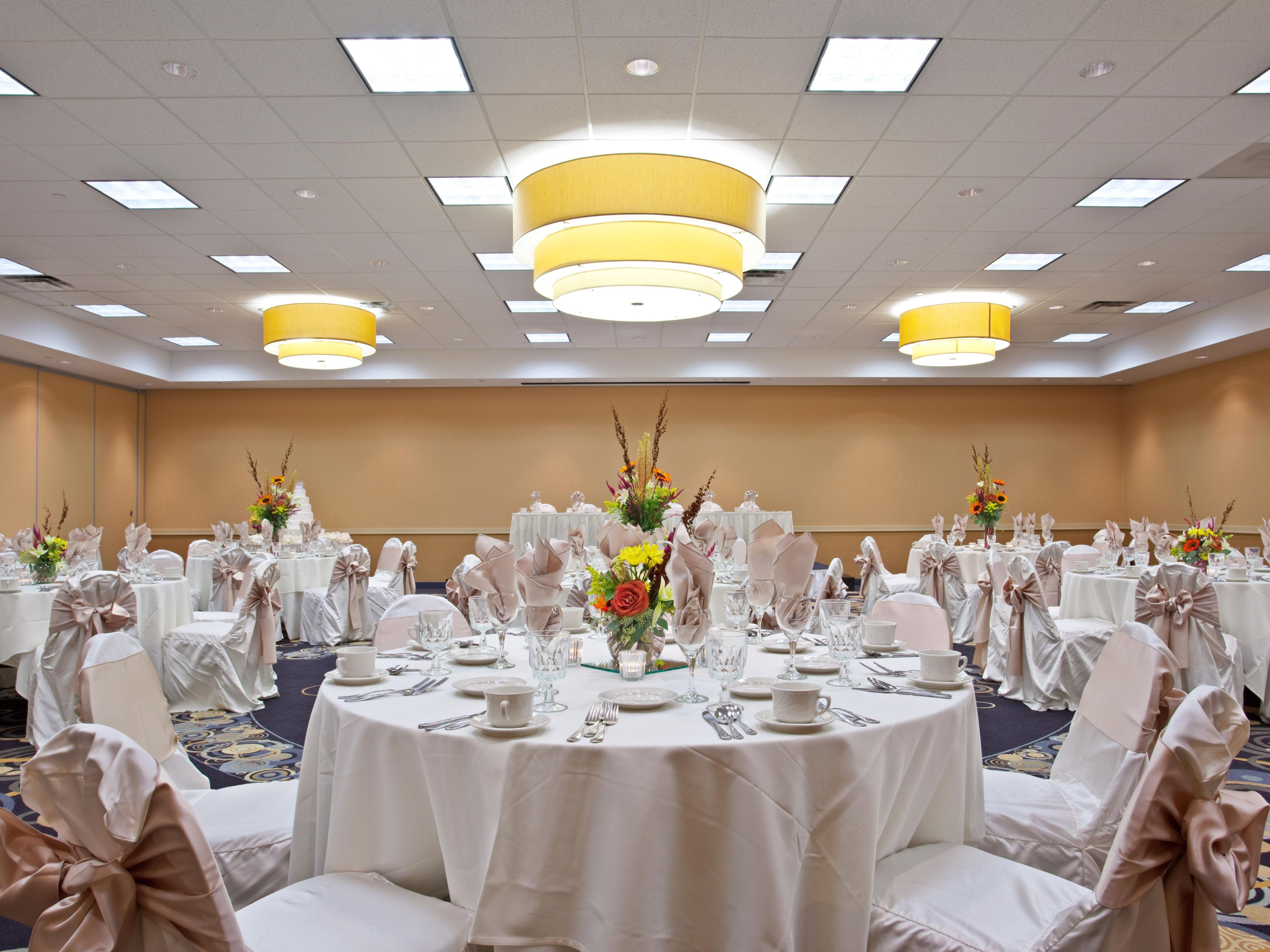 Elegant Wedding Venue in the Chicago Suburbs - Holiday Inn