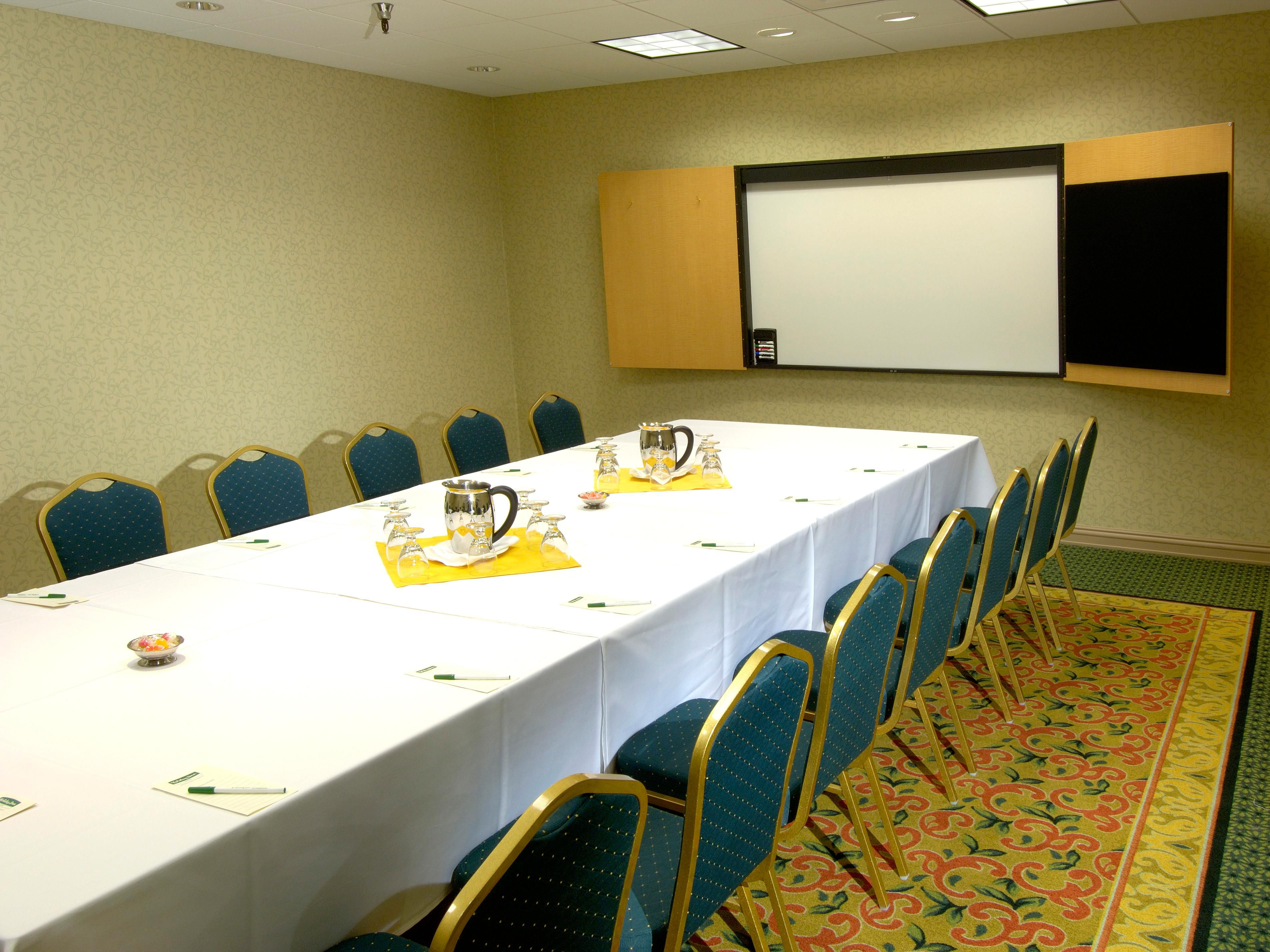 Downtown Everett Hotel - Colby Room Conference