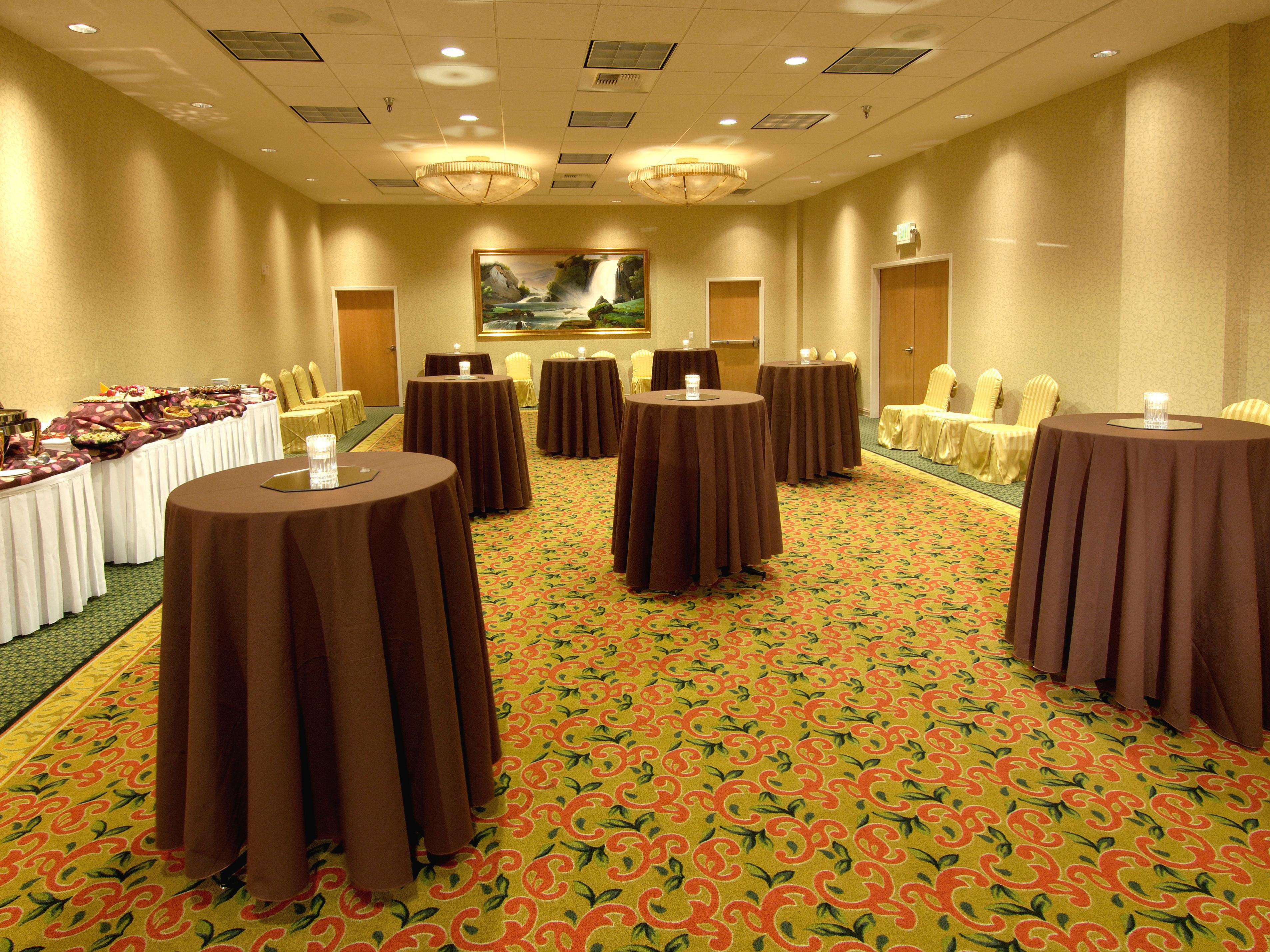 Downtown Everett Hotel - Reception in Oakes