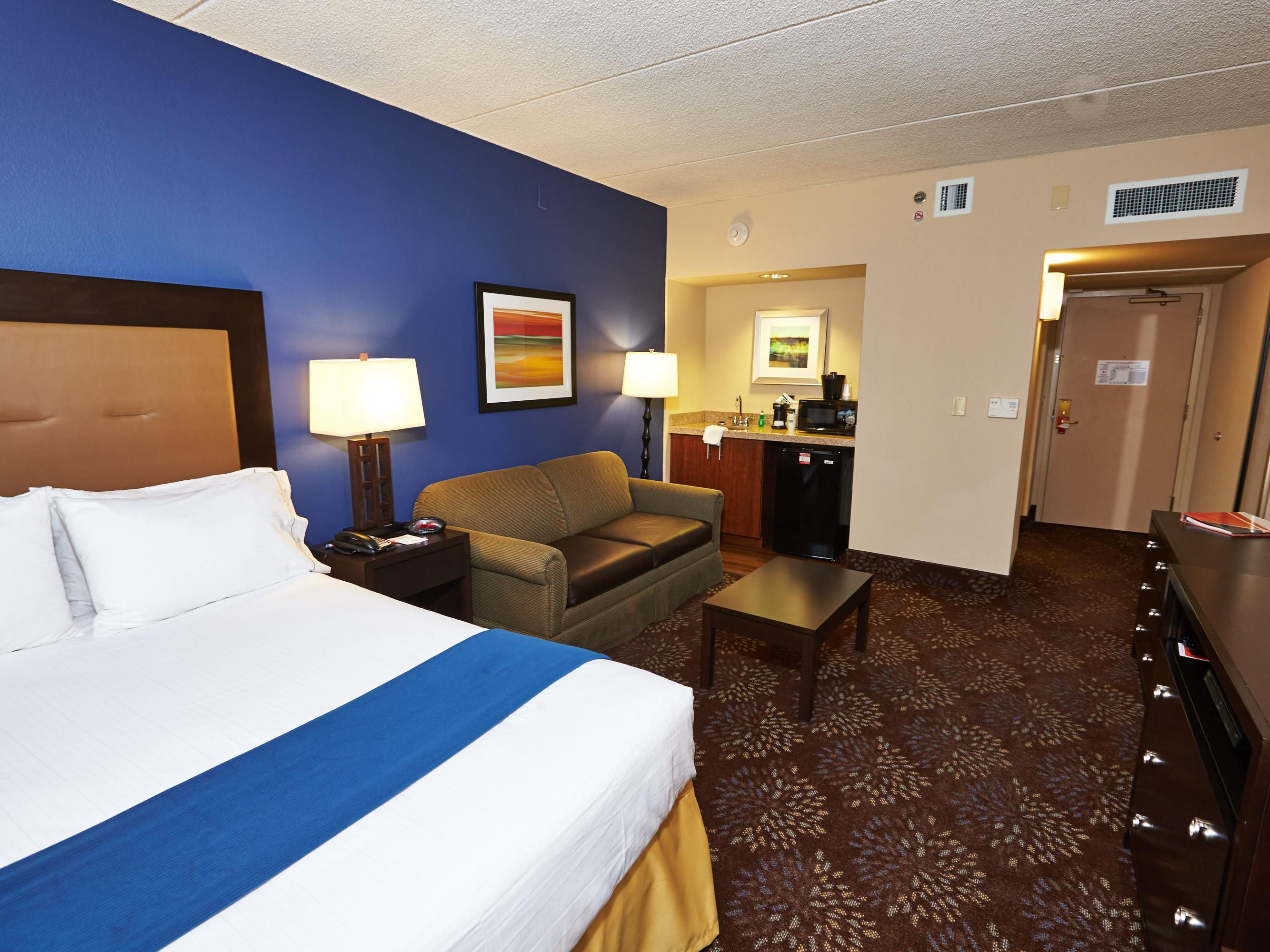 Rooms And Rates For Ihg Army Hotels Powless House Sam Houston
