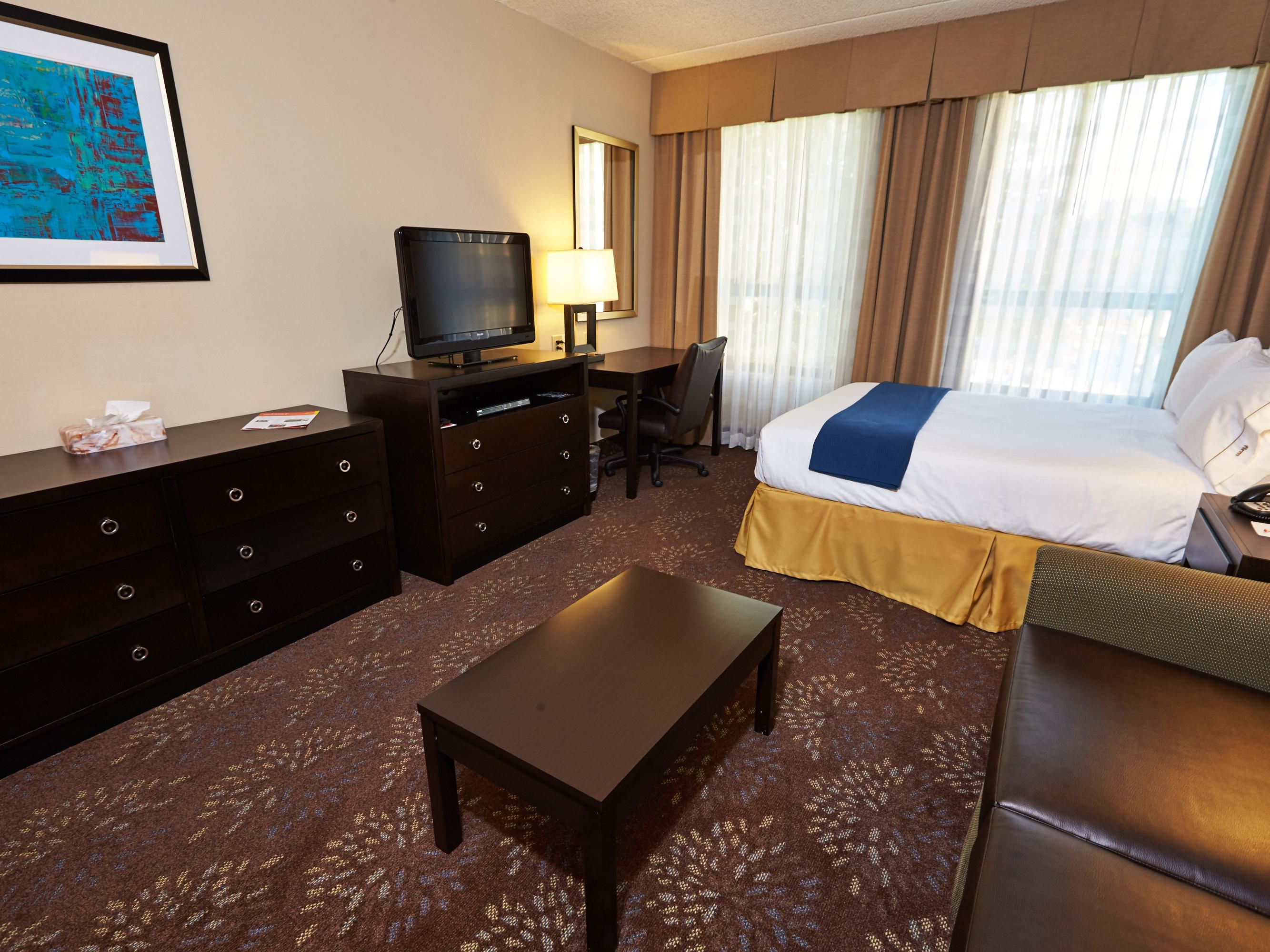 Rooms And Rates For Ihg Army Hotels Powless House At Ft