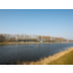 Maak een fijne wandeling langs het nabijgelegen meer