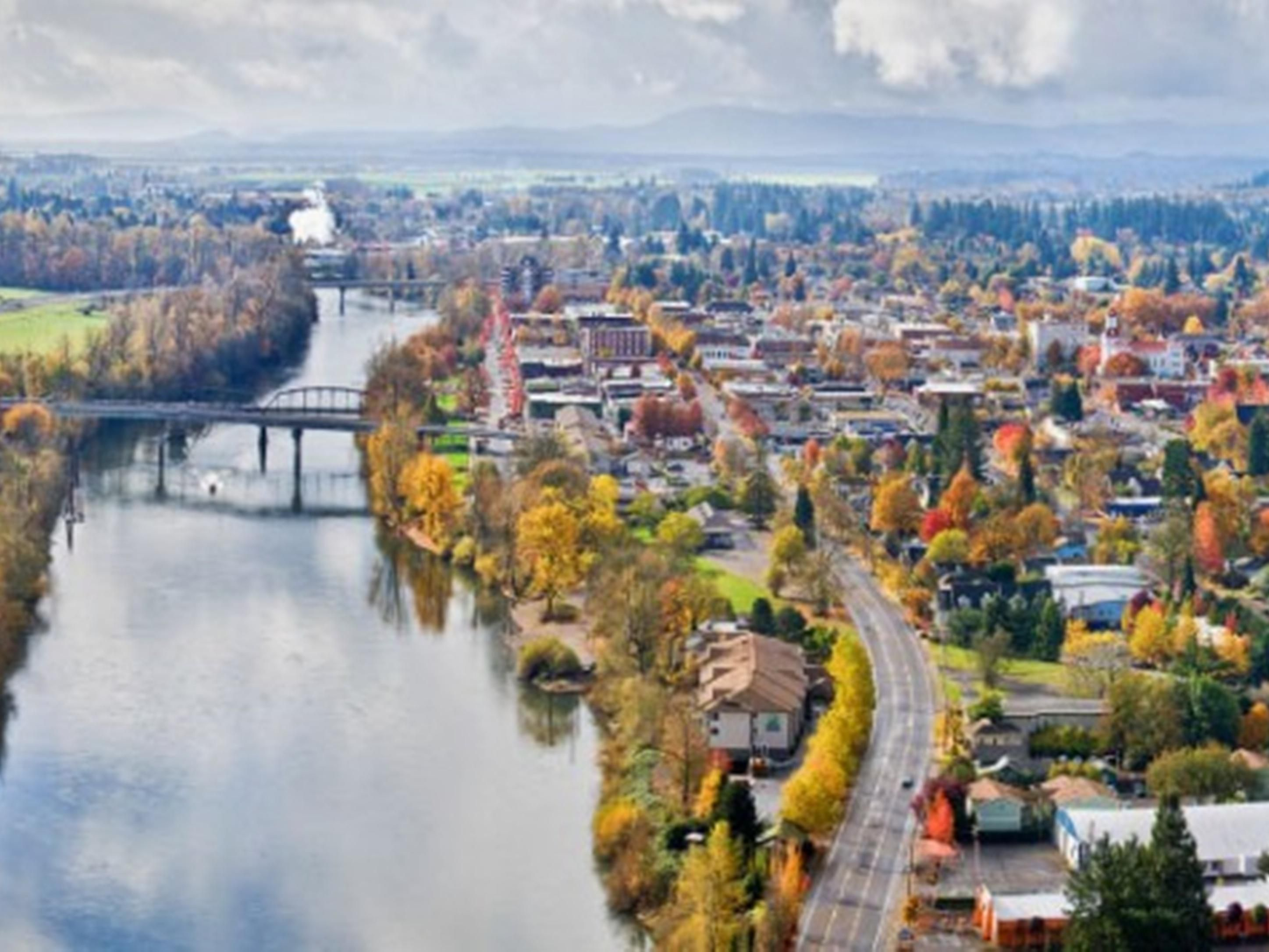 Albany is at the center of Oregon's beautiful Willamette Valley