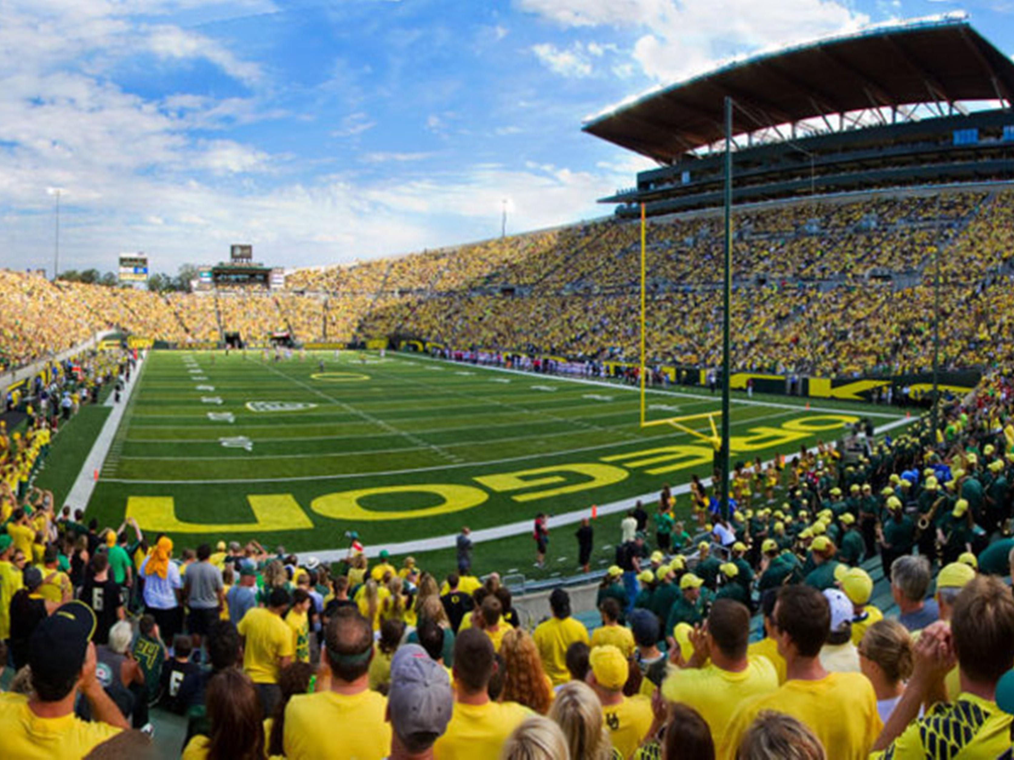 Eugene & University of Oregon Football is a quick 40 minute drive